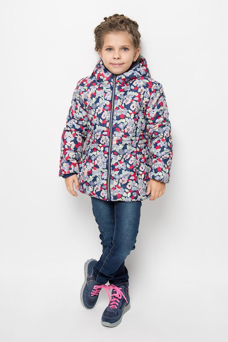 Куртка для девочки Tom Tailor, цвет: синий мультиколор. 3532674.00.81_6725. Размер 104/1103532674.00.81_6725Прелестная куртка Tom Tailor идеально подойдет для вашей принцессы в прохладное время года. Модель изготовлена из 100% полиэстера и оформлена оригинальным цветочным принтом. Мягкая подкладка и утеплитель из 100% полиэстера не дадут вашей девочке замерзнуть. Куртка с воротником-капюшоном застегивается на застежку-молнию. Капюшон, пришит к куртке и оформлен декоративными нашивками-ушками. Изделие дополнено спереди двумя прорезными карманами без застежек. Манжеты рукавов дополнены эластичными резинками.Такая стильная куртка станет прекрасным дополнением гардеробу вашей девочки, она подарит комфорт и тепло.