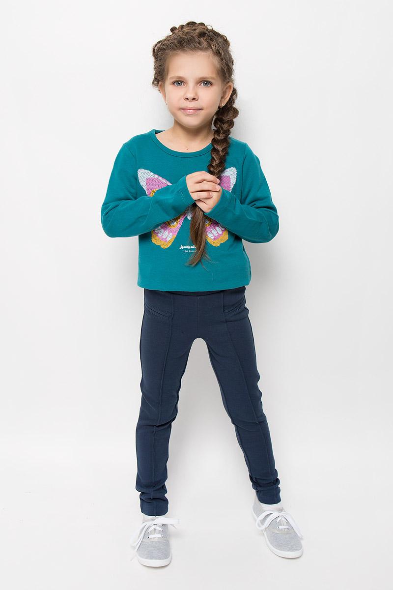 Брюки для девочки Tom Tailor, цвет: синий. 6828970.40.81_6519. Размер 92/986828970.40.81_6519Стильные брюки для девочки Tom Tailor идеально подойдут вашей маленькой моднице. Изготовленные из хлопка с добавлением эластана, они мягкие и приятные на ощупь, не сковывают движения и хорошо пропускают воздух, обеспечивая комфорт.Брюки зауженного кроя дополнены в поясе мягкой трикотажной резинкой. В поясе модель можно регулировать с помощью вшитой резинки на пуговицах. Спереди имеется имитация кармашков и прошитые стрелки на брючинах. Современный дизайн и расцветка делают эти брюки модным и стильным предметом детского гардероба. В них ваша принцесса всегда будет в центре внимания!