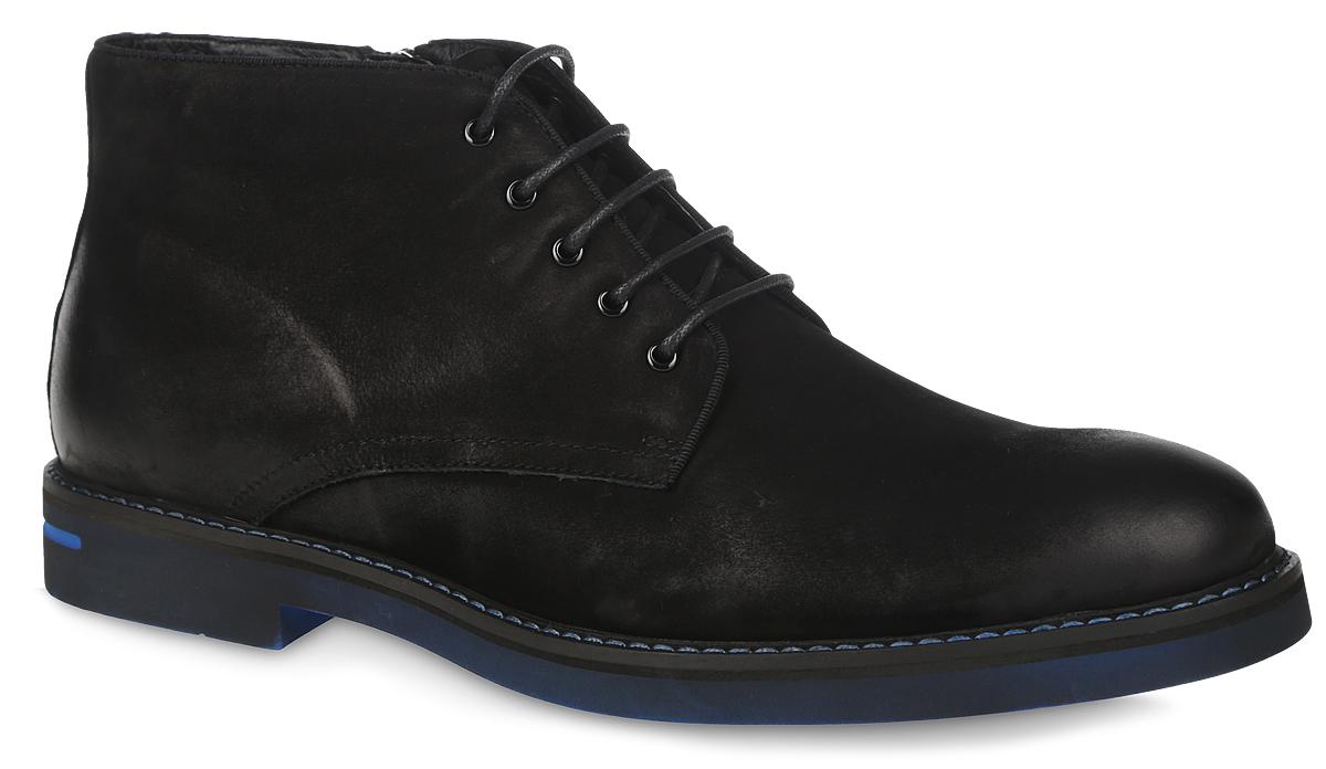 Ботинки мужские El Tempo, цвет: черный, синий. RC10_546-1-39. Размер 41RC10_546-1-39_BLACKМужские ботинки El Tempo выполнены из натурального нубука. Обувь фиксируется на ноге при помощи классической шнуровки и застежки-молнии сбоку. Подкладка и стелька изготовлены из ворсина. Подошва из ЭВА выполнена в контрастном цвете.