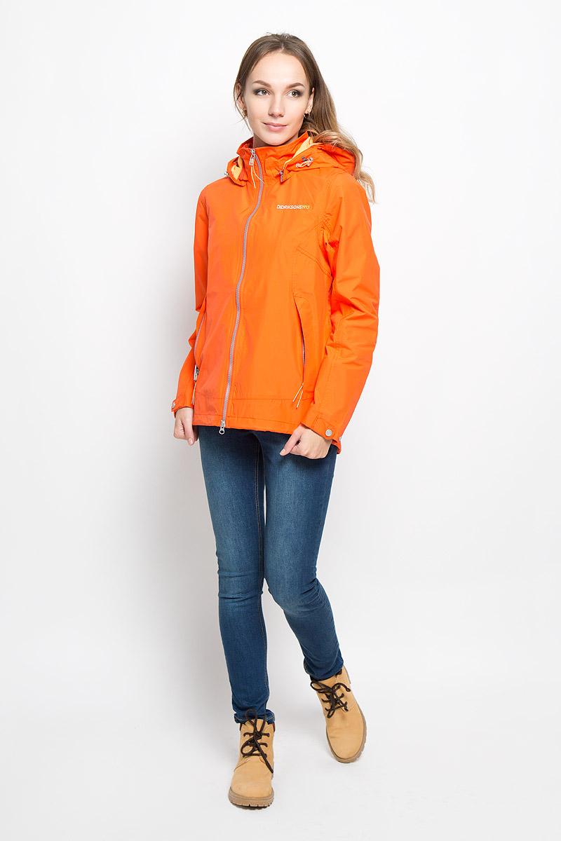 Куртка женская Didriksons1913 Agda, цвет: оранжевый. 500477_286. Размер 36 (44)500477_286Удобная женская куртка Didriksons1913 Agda согреет вас в прохладную погоду и позволит выделиться из толпы. Модель с длинными рукавами и воротником-стойкой выполнена из водонепроницаемой и непродуваемой мембранной ткани. Проклеенные швы и дополнительная пропитка от внешней влаги обеспечивают максимальную защиту.Куртка застегивается на застежку-молнию спереди, дополнена съёмным капюшоном на застежке-молнии, объем которого регулируется при помощи шнурка-кулиски. Изделие дополнено двумя втачными карманами на молниях спереди и внутренним втачным карманом на застежке-молнии с отверстием для наушников, а также внутренним накладным карманом-сеткой. Рукава куртки оснащены хлястиками на кнопках. Низ и линия талии куртки дополнены шнурками-кулисками со стопперами. Эта модная и в то же время комфортная куртка - отличный вариант для прогулок, она подчеркнет ваш изысканный вкус и поможет создать неповторимый образ.