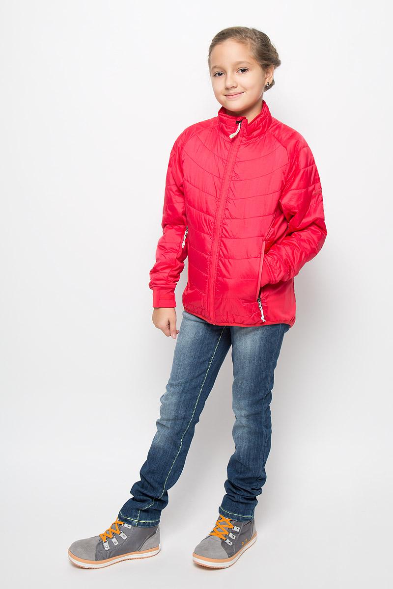 Куртка для девочки Didriksons1913 Ventura, цвет: красный. 574290_269. Размер 150574290_269Утепленная куртка для девочки Didriksons1913 Ventura идеально подойдет вашей моднице в прохладное время года. Куртка изготовлена из полиамида, утеплитель из полиэстера, который хорошо сохраняет тепло.Куртка прямого силуэта с воротником-стойкой застегивается на застежку-молнию с защитой подбородка, и дополнительно имеет внутренний ветрозащитный клапан. Оформлена модель стежкой. Спереди два прорезных кармана на молнии. Манжеты рукавов дополнены отверстием для большого пальца.Комфортная, удобная и теплая куртка идеально подойдет для прогулок и игр на свежем воздухе! Незаменимая вещь в холодную осеннюю погоду! Рассчитана на температуру от +5 до +15.