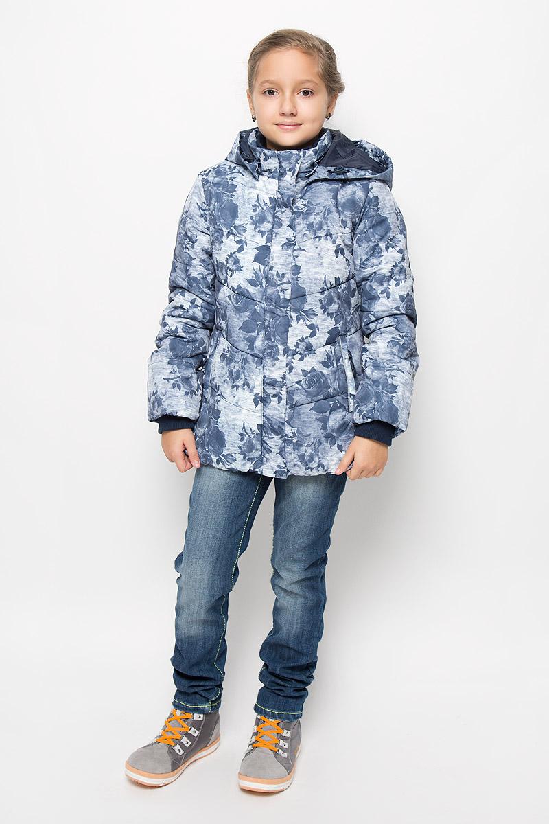 Куртка для девочки Scool, цвет: серый меланж. 364150. Размер 146364150Удлиненная куртка для девочки Scool, изготовленная из полиэстера, станет ярким и стильным дополнением к детскому гардеробу. Материал приятный на ощупь, позволяет коже дышать, легко стирается, быстро сушится. Подкладка выполнена из полиэстера с флисовыми вставками. В качестве утеплителя используется синтепон (300 г/м2). Модель с капюшоном и длинными рукавами застегивается на пластиковую застежку-молнию и дополнительно имеет внешнюю ветрозащитную планку на кнопках. Капюшон пристегивается кнопками и регулируется с помощью эластичной резинки со стопперами. По бокам расположены два прорезных кармана на молниях. Рукава дополнены трикотажными манжетами.Внутри есть специальная ветрозащитная юбочка, застегнув которую вы надежно защитите ребенка от снега.Красивый принт, модный силуэт, обеспечивают куртки прекрасный внешний вид!Теплая, удобная и практичная куртка идеально подойдет юной моднице для прогулок!