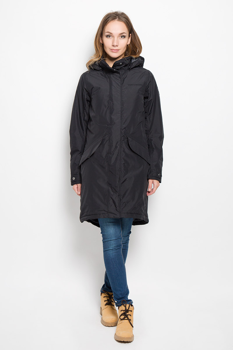 Пальто женское Didriksons1913 Alba, цвет: черный. 500985_60. Размер 40 (48)500985_60Удобное женское пальто Didriksons1913 Alba согреет вас в прохладную погоду и позволит выделиться из толпы. Модель с длинными рукавами, воротником-стойкой и съемным капюшоном выполнена из водонепроницаемой и непродуваемой мембранной ткани. Объем капюшона регулируется при помощи шнурка-кулиски со стопперами.Пальто застегивается на застежку-молнию спереди и имеет ветрозащитный клапан на кнопках. Воротник также застегивается на кнопки. Изделие дополнено двумя втачными карманами с клапанами на кнопках спереди, внутренним карманом на застежке-молнии с отверстием для наушников, внутренним карманом-сеткой и открытым накладным карманом. Манжеты рукавов дополнены внутренними трикотажными манжетами и хлястиками с кнопками. Низ и линия талии изделия дополнены шнурками-кулисками со стопперами. Это модное и уютное пальто - отличный вариант для прогулок, оно подчеркнет ваш изысканный вкус и поможет создать неповторимый образ.