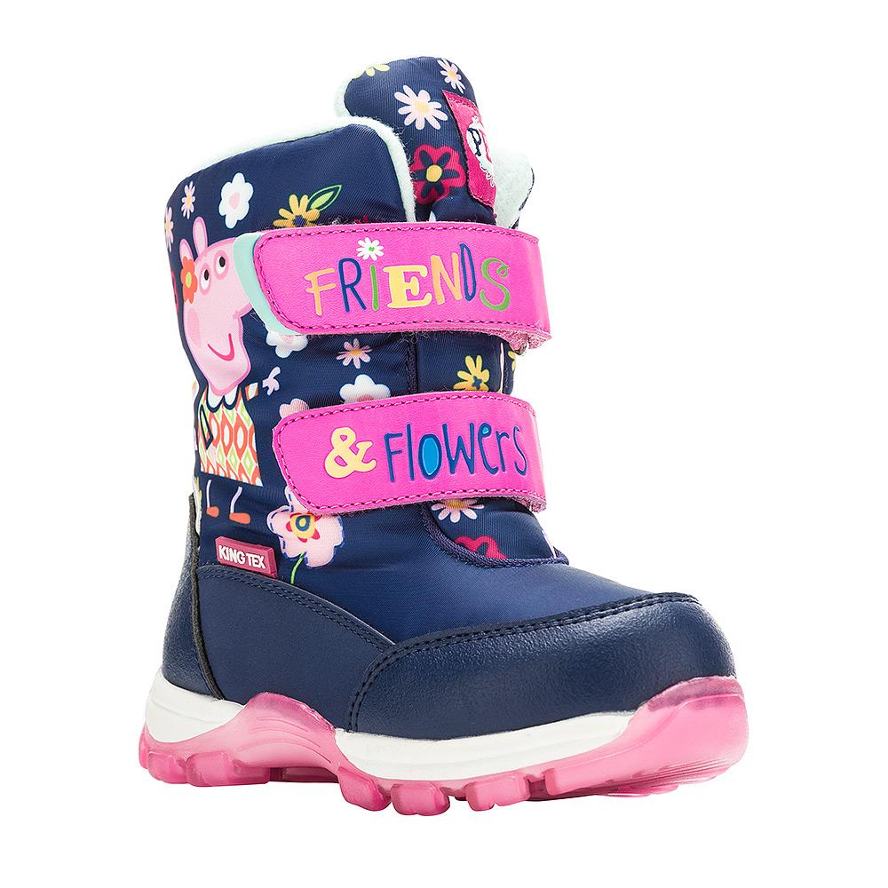Ботинки для девочки Kakadu Peppa Pig, цвет: темно-синий. 6549B. Размер 236549BДетские зимние ботинки Peppa Pig от Kakadu придутся по душе вашей девочке. Обувь отличается от аналогов модным дизайном и высокой эргономичностью. Модель оснащена мембраной King Tex. Подкладка из натуральной шерсти обеспечивает ногам тепло и сухость при любых климатических условиях. Съемную стельку ботинок всегда можно вынуть или заменить. Подошва из термопластичной резины отличается малым, хорошей сцепляемостью с поверхностью и высокой пружинистостью. Благодаря этим качествам дети могут совершать длительные прогулки без чувства усталости в ногах. Детские зимние ботинки оформлены ярким рисунком свинки Пеппы. Ремешки на липучках надежно фиксируют изделие на ноге.