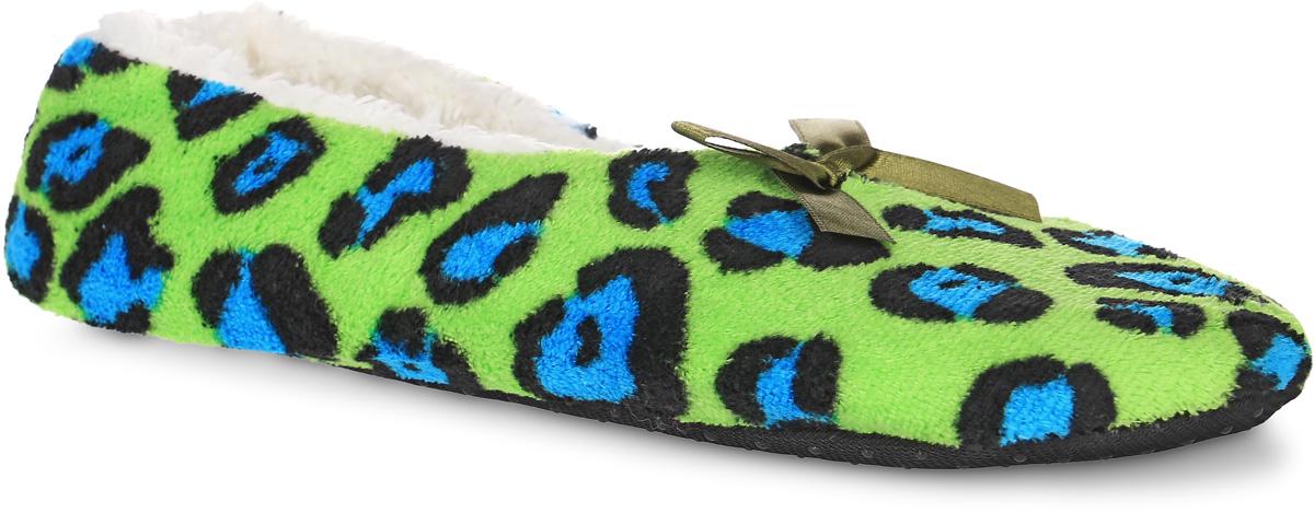 Тапки женские Burlesco, цвет: салатовый, голубой, черный. H133. Размер 36/37H133Женские тапки Burlesco не дадут вашим ногам замерзнуть. Модель выполнена из мягкого текстильного материала и оформлена оригинальным принтом и небольшим бантиком. Внутренняя поверхность и стелька выполнены из текстильного материала с ворсовым покрытием. Подошва дополнена силиконовыми вставками против скольжения.Тапки обеспечат прогрев ног сухим теплом, защитят от воздействия холода и сквозняков, и снимут усталость ног. Легкие и мягкие тапки подарят чувство уюта и комфорта.