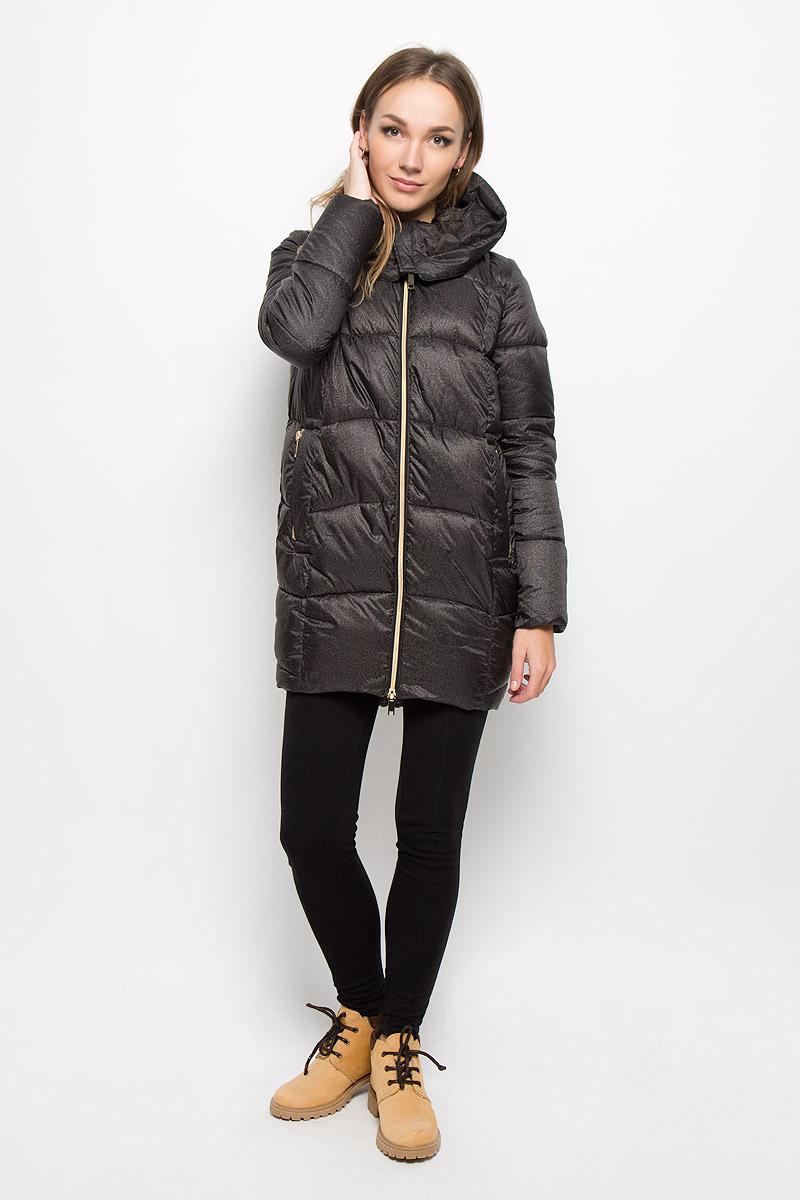 Куртка женская Grishko, цвет: темный шоколад. AL-2961. Размер 44AL-2961Удобная и комфортная женская куртка Grishko модного силуэта кокон выполнена из высококачественного полиамида и 100% утеплителя-полиэстера.Модель застегивается на застежку-молнию спереди и дополнена элегантным глубоким капюшоном, дополнительно защищающим от непогоды. Длина до середины бедра, удлиненная по спинке ассиметричная линия низа, 2 боковых втачных кармана на молнии и один потайной внутри изделия. Такая курточка оформлена оригинальным цветочным узором. Незаменимая модель в холодную осеннюю и зимнюю погоду. Утеплитель 100% полиэстер.