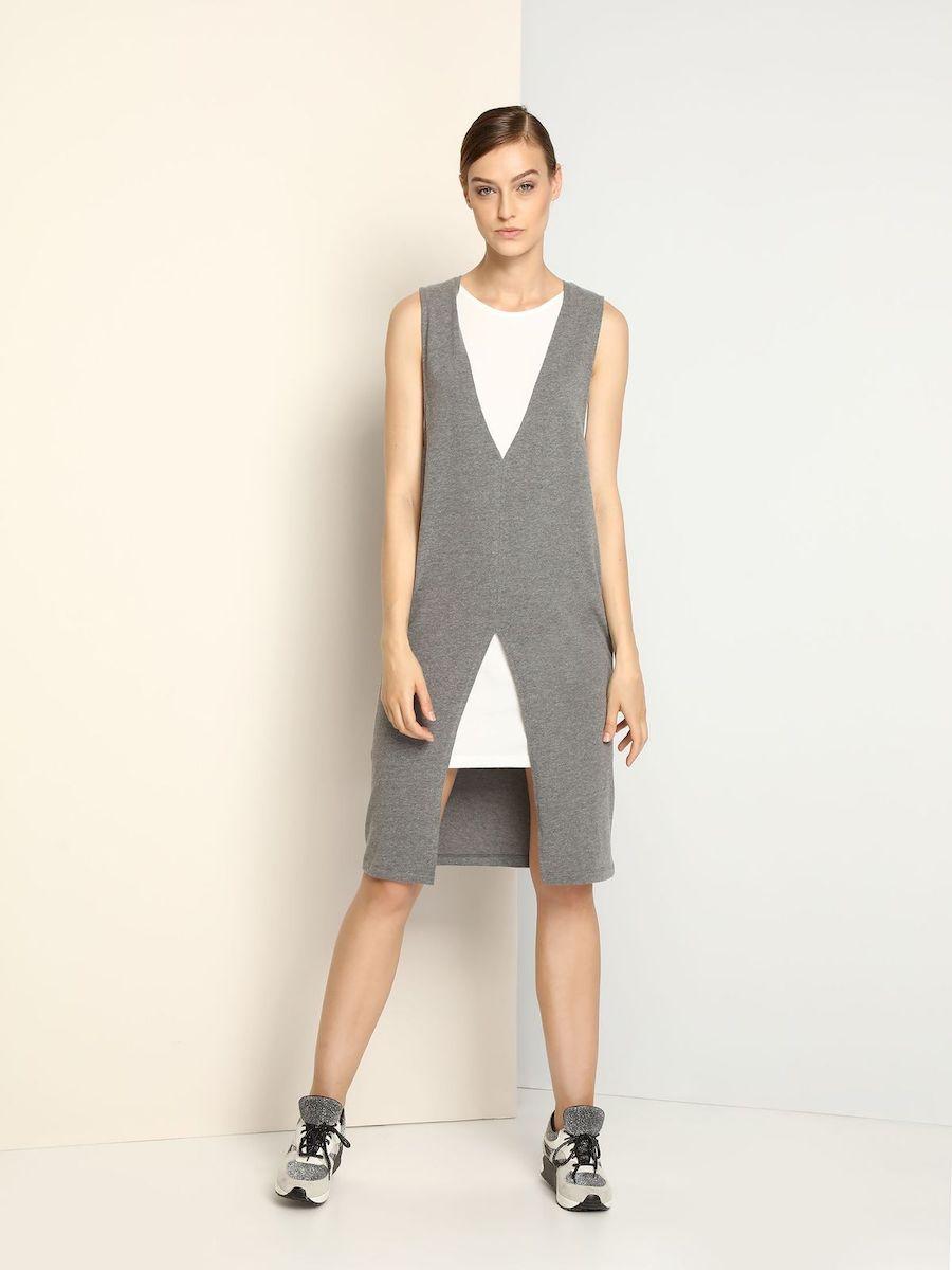 Платье Drywash, цвет: серый, белый. DSU0063SZ. Размер S (44)DSU0063SZСтильное трикотажное платье Drywash выполнено из вискозы и хлопка.Платье-миди с круглым вырезом горловины и без рукавов выполнено в стиле 2 в 1. Модель представляет собой платье с несъемной удлиненной жилеткой. Жилетка сверху и снизу оформлена симметричными V-образными вырезами.