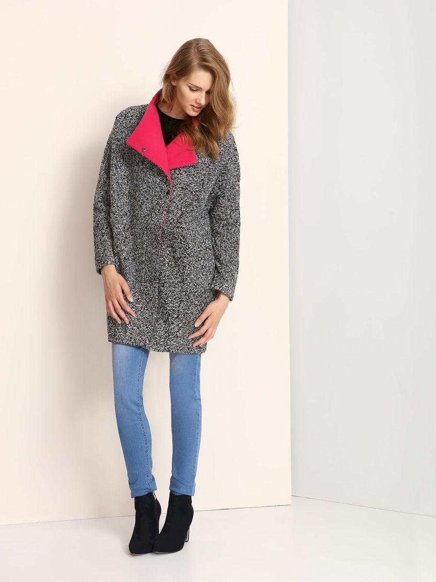 Пальто женское Troll, цвет: черный. TPZ0115CA. Размер M (46)TPZ0115CAСтильное женское пальто Troll выполнено из высококачественного полиэстера.Модель свободного кроя с воротником-стойкой и цельнокроеными рукавами застегивается на застежку-молнию и кнопки. По бокам расположены прорезные карманы.