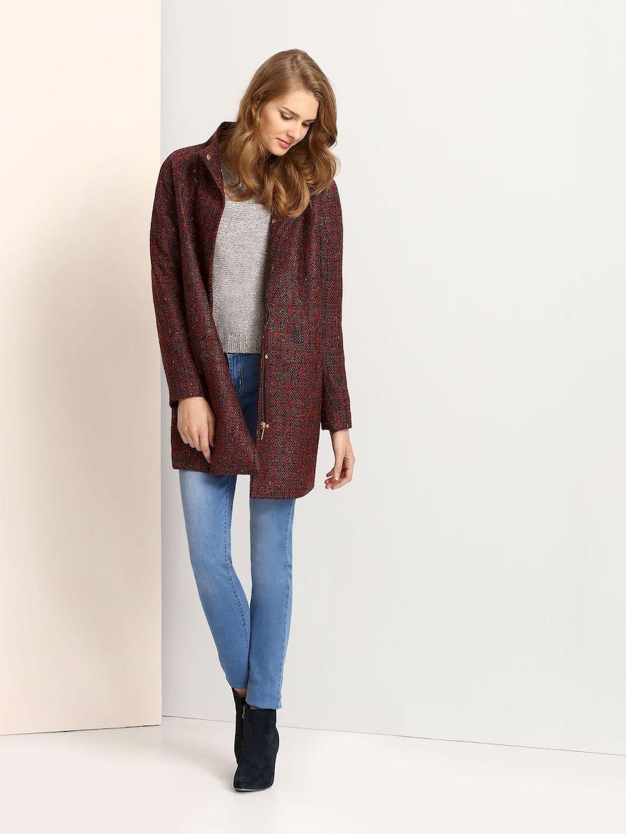 Пальто женское Troll, цвет: красный, черный. TPZ0109CE. Размер XL (50)TPZ0109CEСтильное женское пальто Troll выполнено из высококачественного полиэстера.Пальто с воротником-стойкой и длинными рукавами-реглан застегивается на металлическую застежку-молнию и на кнопки. Спереди модель дополнена двумя втачными карманами.