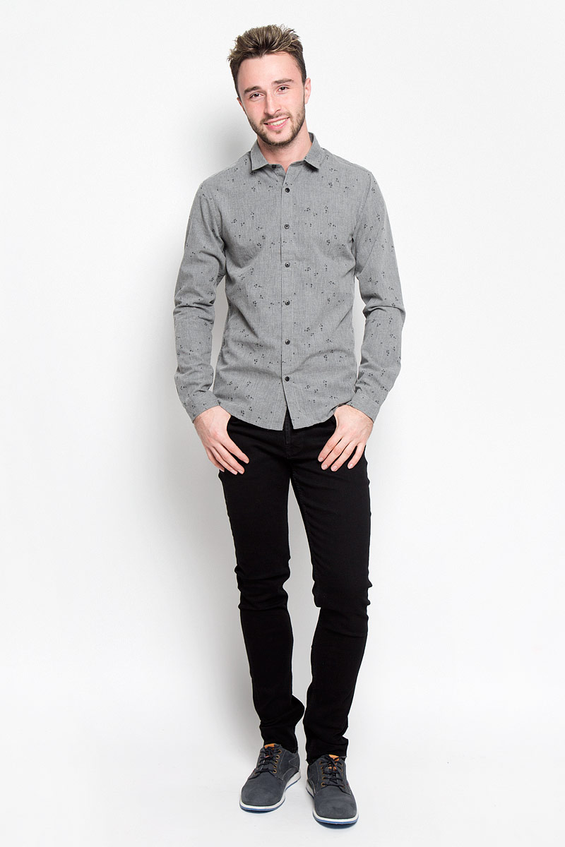 Рубашка мужская Only & Sons, цвет: серый. 22004263. Размер M (46)22004263_Dark Grey MelangeСтильная мужская рубашка Only & Sons, выполненная из хлопка с добавлением полиэстера, подчеркнет ваш уникальный стиль и поможет создать оригинальный образ. Такой материал великолепно пропускает воздух, обеспечивая необходимую вентиляцию, а также обладает высокой гигроскопичностью. Рубашка slim fit с длинными рукавами и отложным воротником застегивается на пуговицы спереди. Манжеты рукавов также застегиваются на пуговицы. Рубашка оформлена принтом в виде стрелок. Классическая рубашка - превосходный вариант для базового мужского гардероба и отличное решение на каждый день.Такая рубашка будет дарить вам комфорт в течение всего дня и послужит замечательным дополнением к вашему гардеробу.