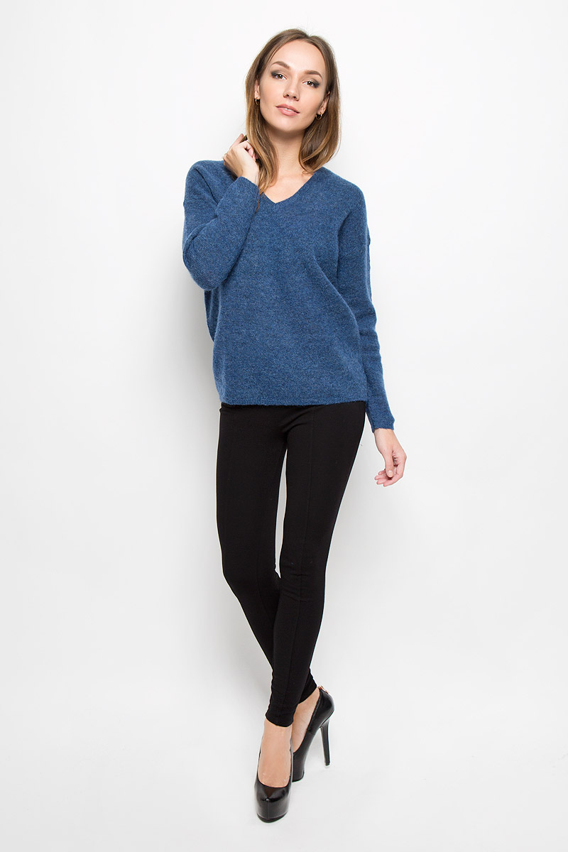 Пуловер женский Selected Femme, цвет: синий. 16051606. Размер S (42)16051606_Dutch BlueСтильный женский пуловер Selected Femme, выполненный из сочетания высококачественных материалов, необычайно мягкий и приятный на ощупь, не сковывает движения, обеспечивая наибольший комфорт.Модель с V-образным вырезом горловины и длинными рукавами великолепно сидит. Пушистый пуловер мелкой вязки поможет вам создать стильный современный образ в стиле Casual.Этот удобный и стильный пуловер станет отличным дополнением к вашему гардеробу. В нем вы всегда будете чувствовать себя уютно в прохладное время года.