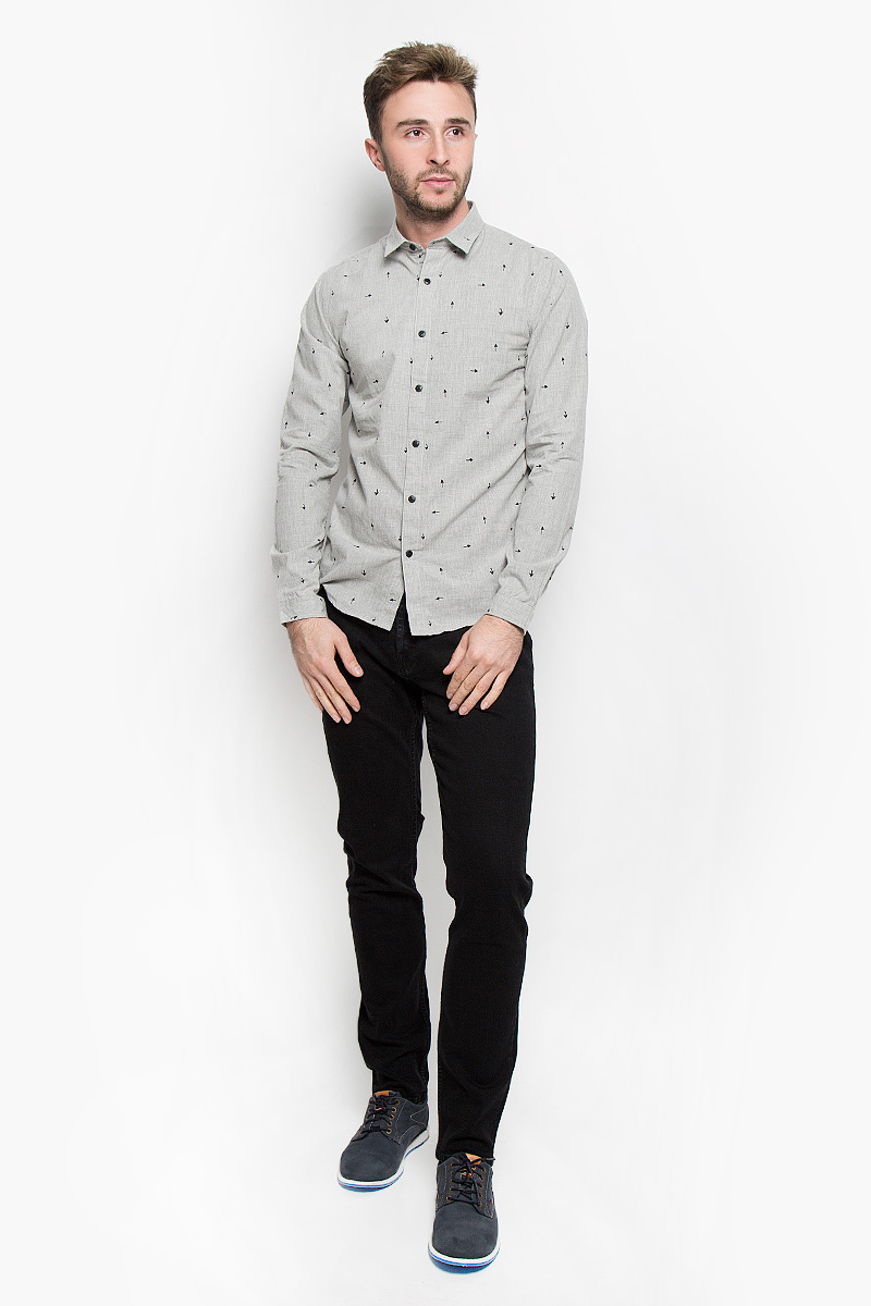 Рубашка мужская Only & Sons, цвет: светло-серый. 22004263. Размер XL (50)22004263_Light Grey MelangeСтильная мужская рубашка Only & Sons, выполненная из хлопка с добавлением полиэстера, подчеркнет ваш уникальный стиль и поможет создать оригинальный образ. Такой материал великолепно пропускает воздух, обеспечивая необходимую вентиляцию, а также обладает высокой гигроскопичностью. Рубашка slim fit с длинными рукавами и отложным воротником застегивается на пуговицы спереди. Манжеты рукавов также застегиваются на пуговицы. Рубашка оформлена принтом в виде стрелок. Классическая рубашка - превосходный вариант для базового мужского гардероба и отличное решение на каждый день.Такая рубашка будет дарить вам комфорт в течение всего дня и послужит замечательным дополнением к вашему гардеробу.