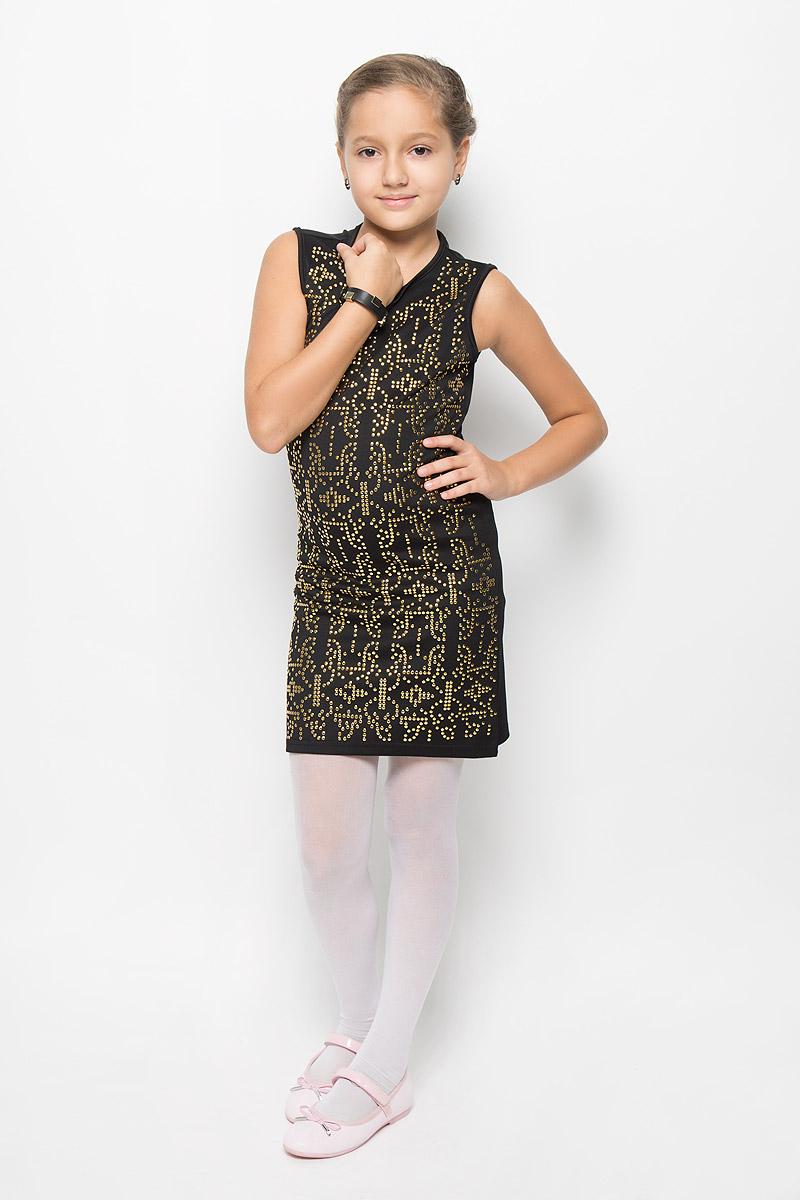 Платье для девочки M&D, цвет: черный. SS163G74-21. Размер 146SS163G74-21Очаровательное платье для девочки M&D идеально подойдет вашей малышке. Платье выполнено из полиэстера с добавлением вискозы, оно необычайно мягкое и эластичное, не сковывает движения, великолепно отводит влагу от тела и не раздражает даже самую нежную и чувствительную кожу ребенка, обеспечивая наибольший комфорт. Платье-миди без рукавов застегивается на застежку-молнию на спинке. Изделие оформлено множеством металлических заклепок. В комплект также входит браслет в цвет платья, украшенный металлическими заклепками.Оригинальный современный дизайн и модная расцветка делают это платье модным и стильным предметом детского гардероба. В нем ваша малышка будет чувствовать себя уютно и комфортно и всегда будет в центре внимания!