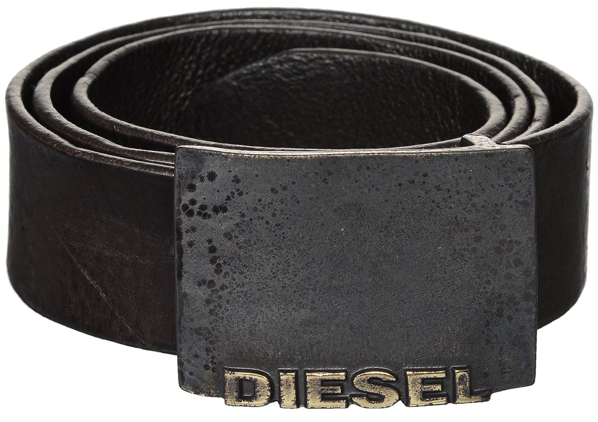 Ремень мужской Diesel, цвет: темно-коричневый. X04184-PR080/T2180. Размер 100X04184-PR080/T2180Стильный мужской ремень Diesel станет идеальным дополнением к вашему образу. Ремень изготовлен из натуральной коровьей кожи и выполнен в оригинальном дизайне. Изделие оснащено металлической пряжкой с гравированной надписью с названием бренда, которая легко и быстро зафиксирует ремень и отрегулирует его длину. Такой ремень займет достойное место в вашем гардеробе.