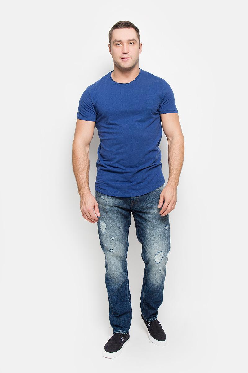 Футболка мужская Selected Homme Antonio Banderas, цвет: синий. 16051686. Размер M (46)16051686_Blue DepthsМужская футболка Selected Homme Antonio Banderas, выполненная из натурального хлопка, идеально подойдет для повседневной носки. Материал очень мягкий и приятный на ощупь, не сковывает движения и позволяет коже дышать.Футболка прямого кроя с короткими рукавами имеет круглый вырез горловины, дополненный двойной окантовкой с закрученными краями.Такая футболка будет дарить вам комфорт в течение всего дня!