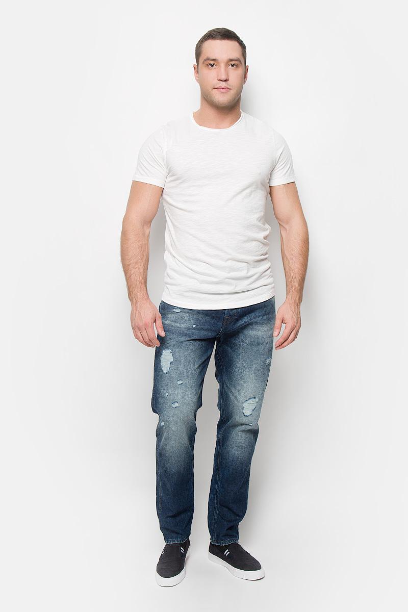 Футболка мужская Selected Homme Antonio Banderas, цвет: молочный. 16051686. Размер S (44)16051686_MarshmallowМужская футболка Selected Homme Antonio Banderas, выполненная из натурального хлопка, идеально подойдет для повседневной носки. Материал очень мягкий и приятный на ощупь, не сковывает движения и позволяет коже дышать.Футболка прямого кроя с короткими рукавами имеет круглый вырез горловины, дополненный двойной окантовкой с закрученными краями.Такая футболка будет дарить вам комфорт в течение всего дня!