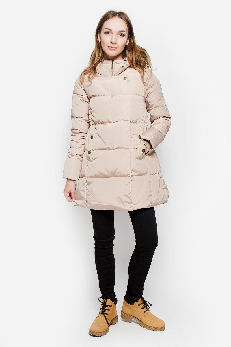 Пальто женское Sela Casual, цвет: бежевый. Ced-126/652-6414. Размер M (46)Ced-126/652-6414Удобное женское пальто Sela Casual согреет вас в прохладную погоду и позволит выделиться из толпы. Модель с длинными рукавами и несъемным капюшоном выполнена из полиэстера. Наполнитель из натурального пуха и пера надежно сохранит тепло и не позволит вам замерзнуть.Пальто застегивается на застежку-молнию спереди и имеет ветрозащитный клапан на кнопках. Изделие дополнено двумя втачными карманами на кнопках спереди. Рукава дополнены внутренними трикотажными манжетами. Это модное и уютное пальто - отличный вариант для прогулок, оно подчеркнет ваш изысканный вкус и поможет создать неповторимый образ.