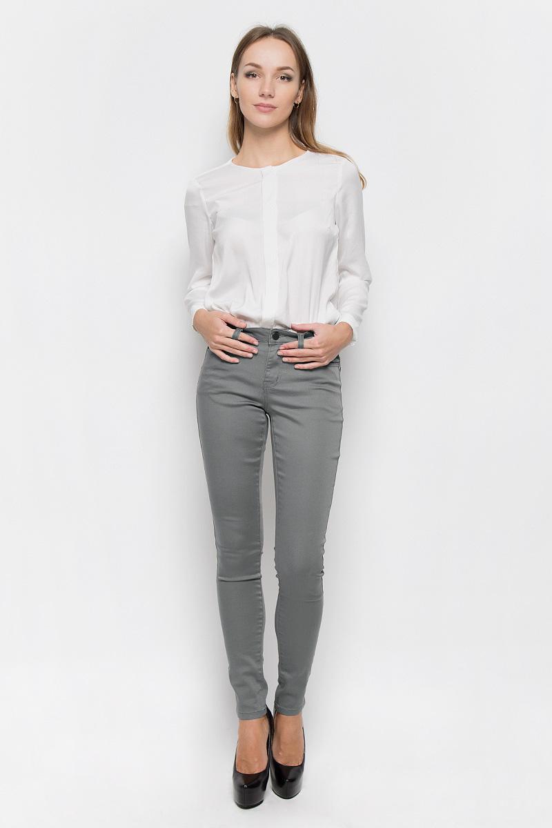 Брюки женские Broadway Jane, цвет: серо-оливковый. 10156830. Размер L (48)10156830_675Стильные женские брюки Broadway Jane - это изделие высочайшего качества, которое превосходно сидит и подчеркнет все достоинства вашей фигуры. Брюки-скинни стандартной посадки выполнены из эластичного высококачественного материала, что обеспечивает комфорт и удобство при носке. Модель застегивается на пуговицу в поясе и ширинку на застежке-молнии, имеет шлевки для ремня. Брюки имеют классический пятикарманный крой: они оснащены двумя втачными карманами и небольшим втачным кармашком спереди, и двумя втачными карманами на пуговицах сзади.Эти модные и в то же время комфортные брюки послужат отличным дополнением к вашему гардеробу и помогут создать неповторимый современный образ.