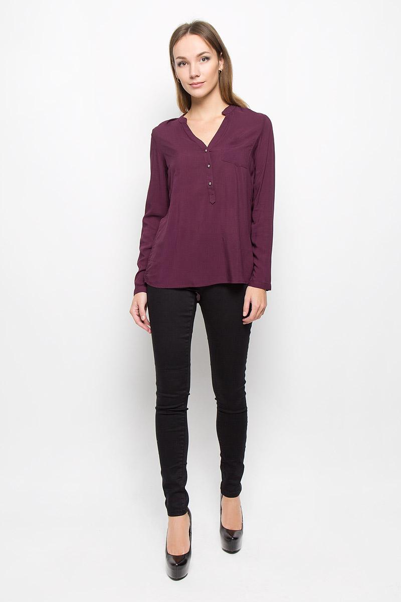 Блузка женская Broadway, цвет: баклажановый. 10156630. Размер M (46)10156630_335Стильная женская блуза Broadway, выполненная из 100% вискозы, подчеркнет ваш уникальный стиль и поможет создать оригинальный женственный образ.Блузка с удлиненной спинкой, длинными рукавами и V-образным вырезом горловины имеет свободный крой и застегивается на пуговицы на груди. Манжеты рукавов также дополнены пуговицами. На груди расположен накладной карман. Эта блузка будет дарить вам комфорт в течение всего дня и послужит замечательным дополнением к вашему гардеробу.