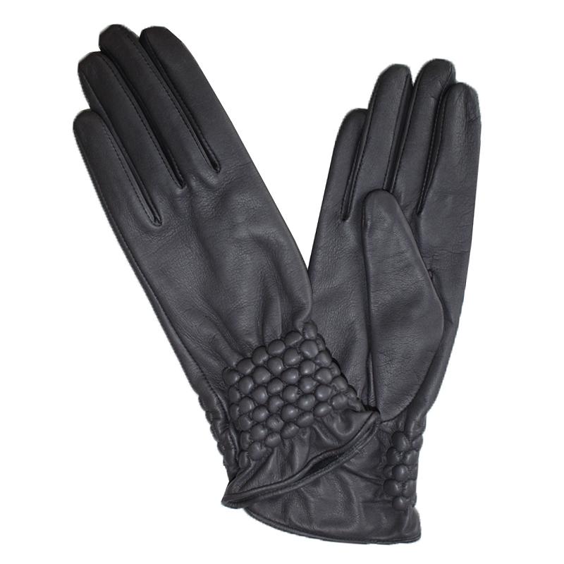 Перчатки женские Edmins, цвет: черный. Э-21L-1_534. Размер 7Э-21L-1_534Перчатки изготовлены из высококачественной английской кожи Pittards и итальянской кожи Gargiulo на современном технологичном оборудовании. Продукция соответствует международным стандартам качества.