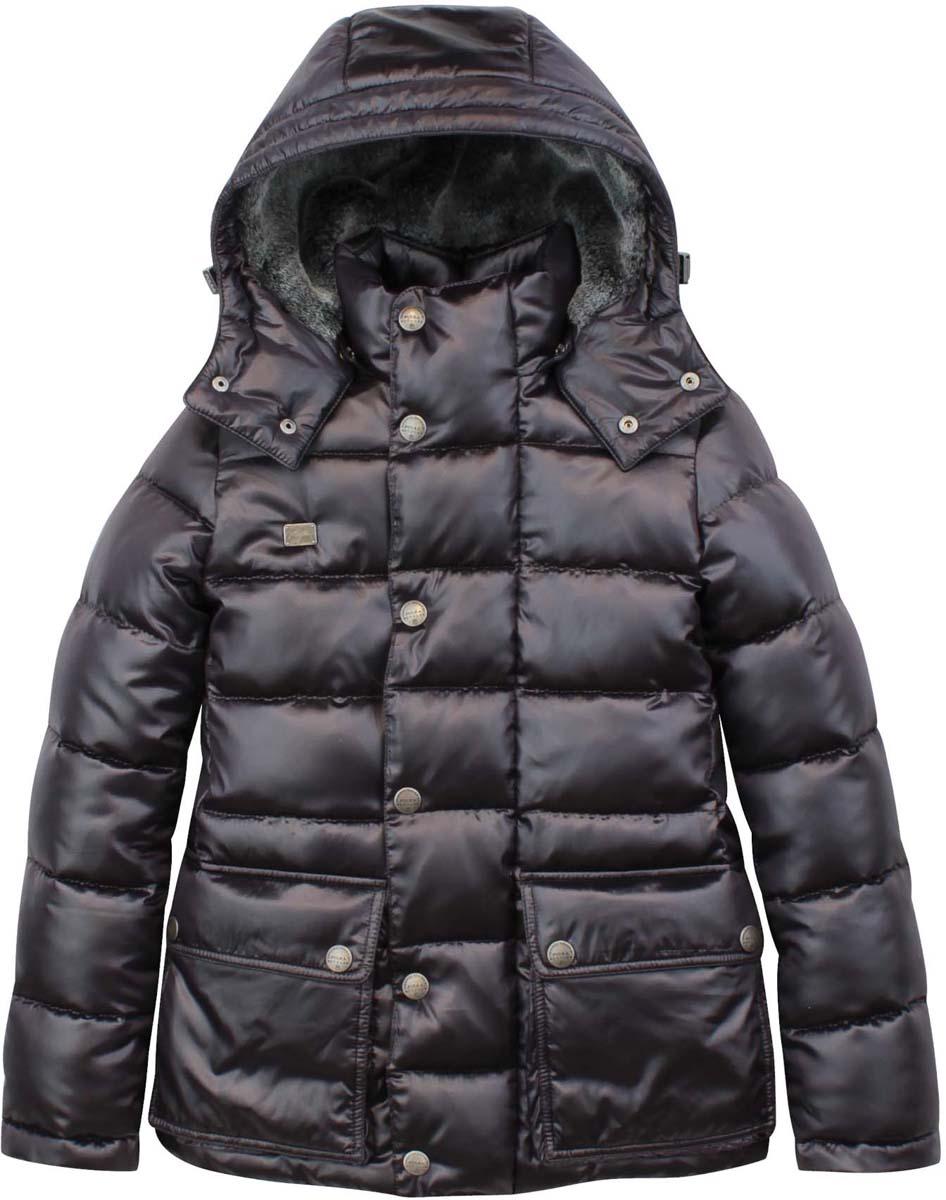 Куртка для мальчика Pulka, цвет: графитовый. PUFWB-626-10126-102. Размер 152PUFWB-626-10126-102Модная куртка для мальчика Pulka выполнена из полиэстера и нейлона. В качестве утеплителя используется полиэстер. Модель с воротником-стойкой и съемным капюшоном застегивается на застежку-молнию и дополнительно на ветрозащитный клапан с кнопками. Капюшон, с внутренней стороны оформленный искусственным мехом, пристегивается к куртке с помощью кнопок. Спереди куртка дополнена двумя накладными карманами с клапанами на кнопках, с внутренней стороны - прорезным карманом на застежке-молнии. Рукава дополнены внутренними манжетами на резинках. Нижняя часть модели и область талии с внутренней стороны регулируются с помощью эластичных шнурков со стопперами.