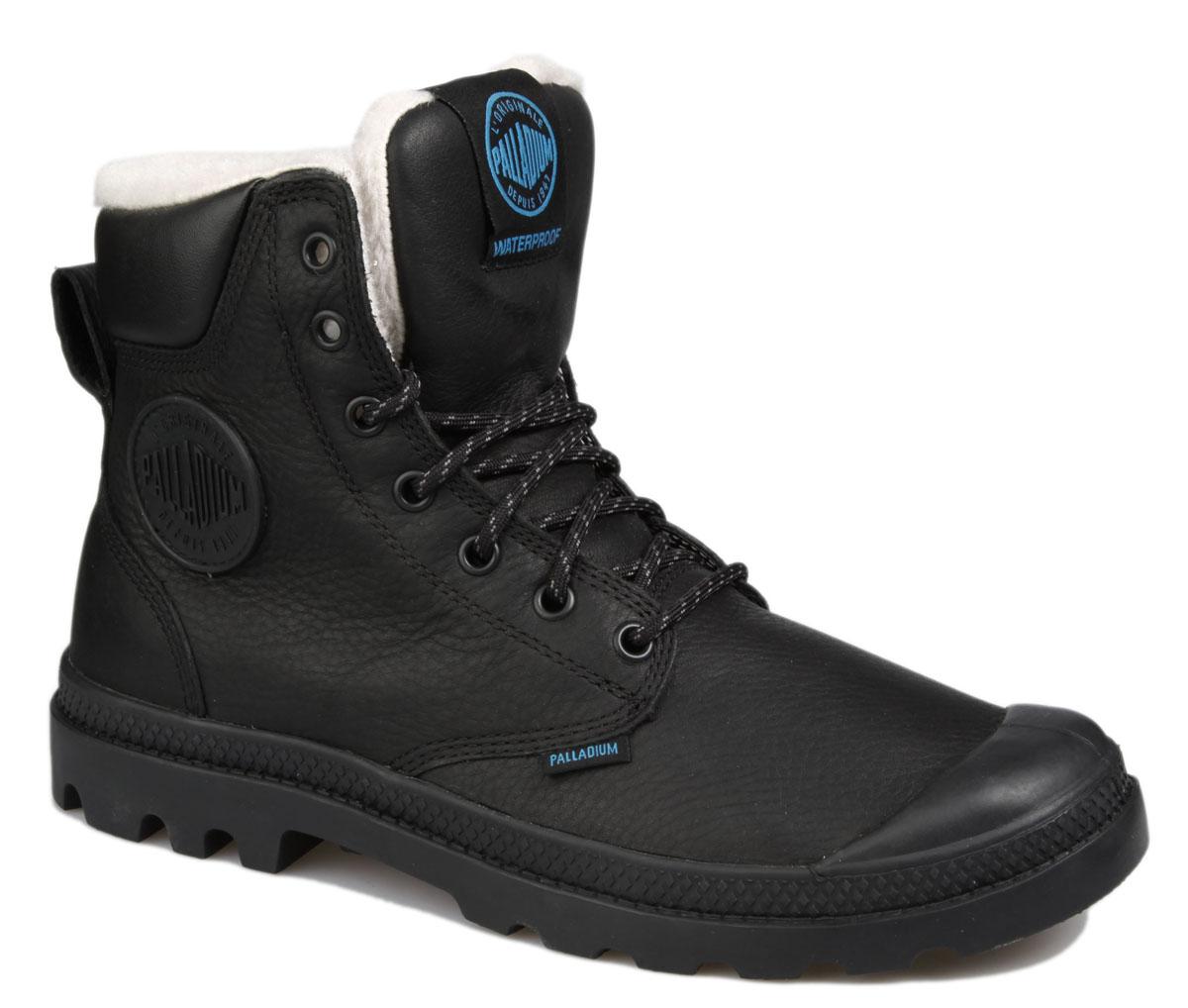 Ботинки Palladium Pampa Sport Cuff WPS W, цвет: черный. 72992-001. Размер 4,5 (37)72992-001Стильные ботинки Pampa Sport Cuff WPS от Palladium прекрасно подойдут для повседневной носки в холодную погоду. Верх ботинок выполнен из натурального нубука. Подкладка изготовлена из натуральной шерсти, которая сохранит ваши ноги в тепле. Фиксируется модель на ноге при помощи плотной классической шнуровки. Вшитый язычок исключает попадание снега внутрь ботинка и обеспечивает дополнительную теплоизоляцию. Прорезиненный мысок и кант защитят от влаги и позволят продлить срок службы изделия.Стелька EVA для амортизации и комфорта при ходьбе. Резиновая подошва с глубоким протектором обеспечивает превосходное сцепление на любой поверхности. Оформлена модель вставкой из искусственной кожи, сбоку прорезиненной нашивкой с логотипом Palladium, а на язычке нашивкой с названием бренда.Такие ботинки будут прекрасно сочетаться с различными вещами вашего гардероба. Они подчеркнут ваш стиль и индивидуальность!