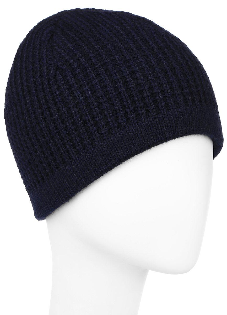 Шапка мужская Baon, цвет: темно-синий. B846508. Размер универсальныйB846508_DEEP NAVYВязаная мужская шапка Baon выполнена из высококачественной комбинированной пряжи из эластичного акрила и теплой шерсти, что позволяет ей великолепно сохранять тепло и обеспечивает высокую эластичность и удобство посадки. Модель оформлена стильной вязкой и металлической пластиной с названием бренда. Подкладка изготовлена из мягкого флиса.