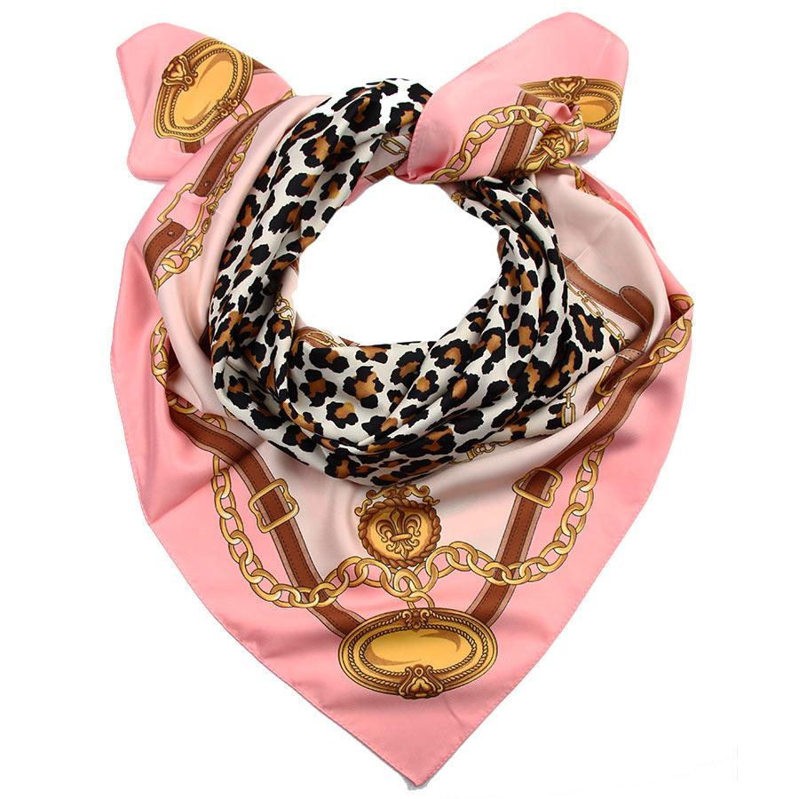 Платок женский Venera, цвет: розовый, горчичный, черный. 3907833-2. Размер 90 см х 90 см3907833-2Стильный женский платок Venera изготовлен из 100% полиэстера и оформлен оригинальным принтом с изображением ремней.Классическая квадратная форма позволяет носить платок на шее, украшать им прическу или декорировать сумочку.Такой платок превосходно дополнит любой наряд и подчеркнет ваш неповторимый вкус и элегантность.