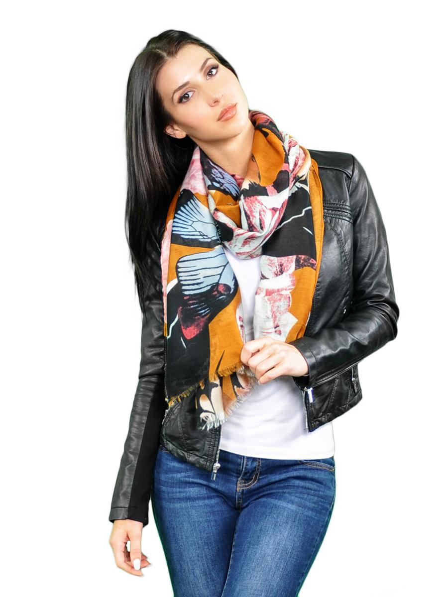 Палантин женский Venera, цвет: оранжевый, мультиколор. 2716101-3. Размер 90 см х 180 см2716101-3Элегантный палантин Venera согреет вас в прохладную погоду и станет достойным завершением вашего образа.Палантин изготовлен из вискозы с добавлением шерсти и оформлен оригинальным принтом в виде бабочек. Такой палантин красиво драпируется, а так же превосходно дополнит любой ваш наряд и подчеркнет изысканный вкус.