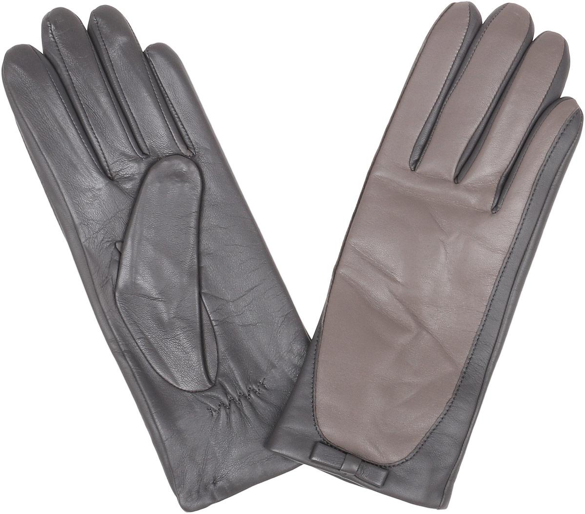 Перчатки женские Fabretti, цвет: серый, бежевый. 12.28-9. Размер 712.28-9 greyСтильные женские перчатки Fabretti не только защитят ваши руки, но и станут великолепным украшением. Перчатки выполнены из натуральной кожи ягненка, а их подкладка - из высококачественной шерсти с добавлением кашемира.Модель оформлена оригинальными строчками-стежками и дополнена небольшим бантиком. Стильный аксессуар для повседневного образа.