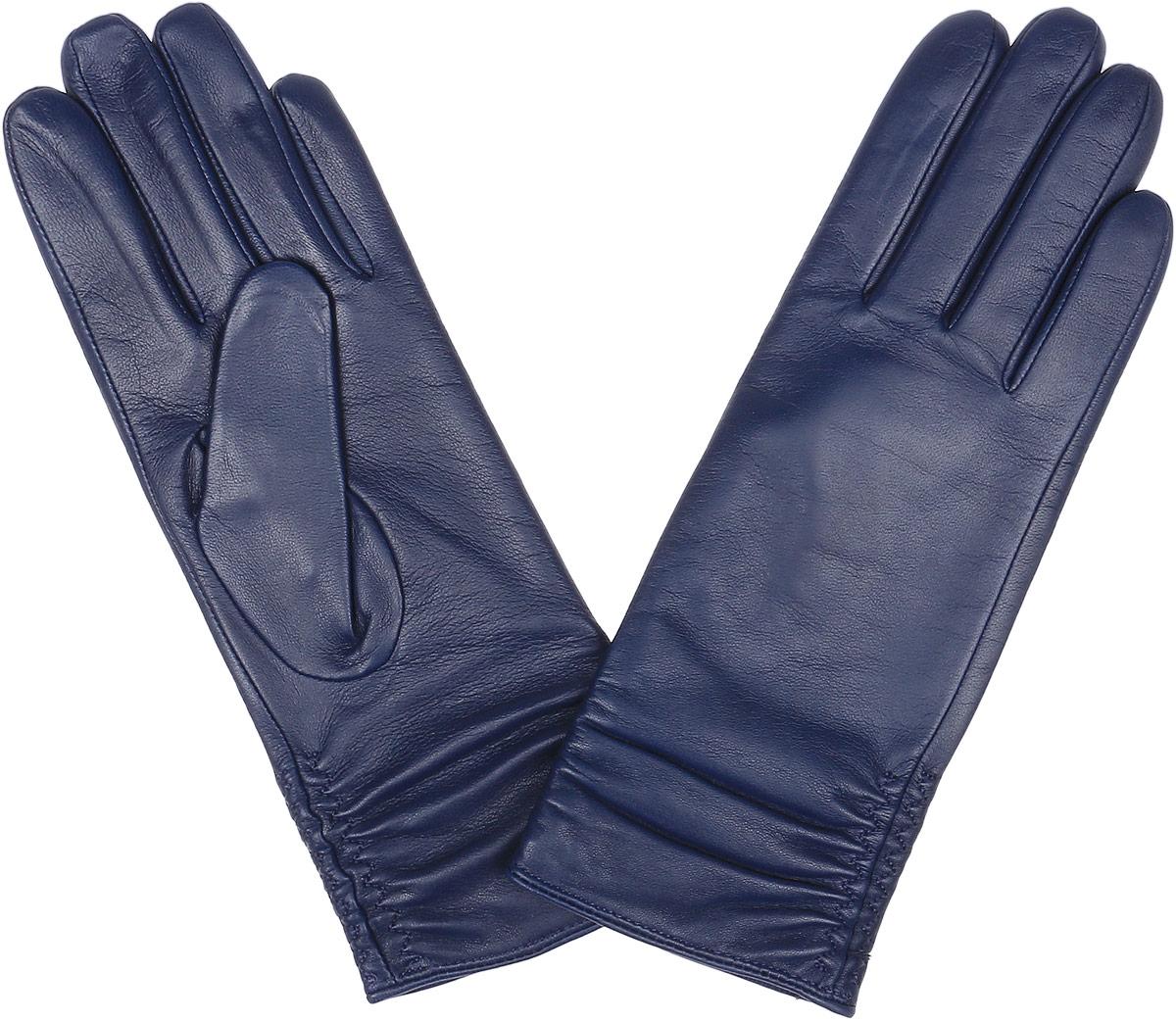 Перчатки женские Fabretti, цвет: темно-синий. 12.25-11. Размер 6,512.25-11 blueСтильные женские перчатки Fabretti не только защитят ваши руки, но и станут великолепным украшением. Перчатки выполнены из натуральной кожи ягненка, а их подкладка - из высококачественной шерсти с добавлением кашемира.Модель оформлена оригинальными строчками-стежками, которые дополнены эластичной резинкой. Стильный аксессуар для повседневного образа.