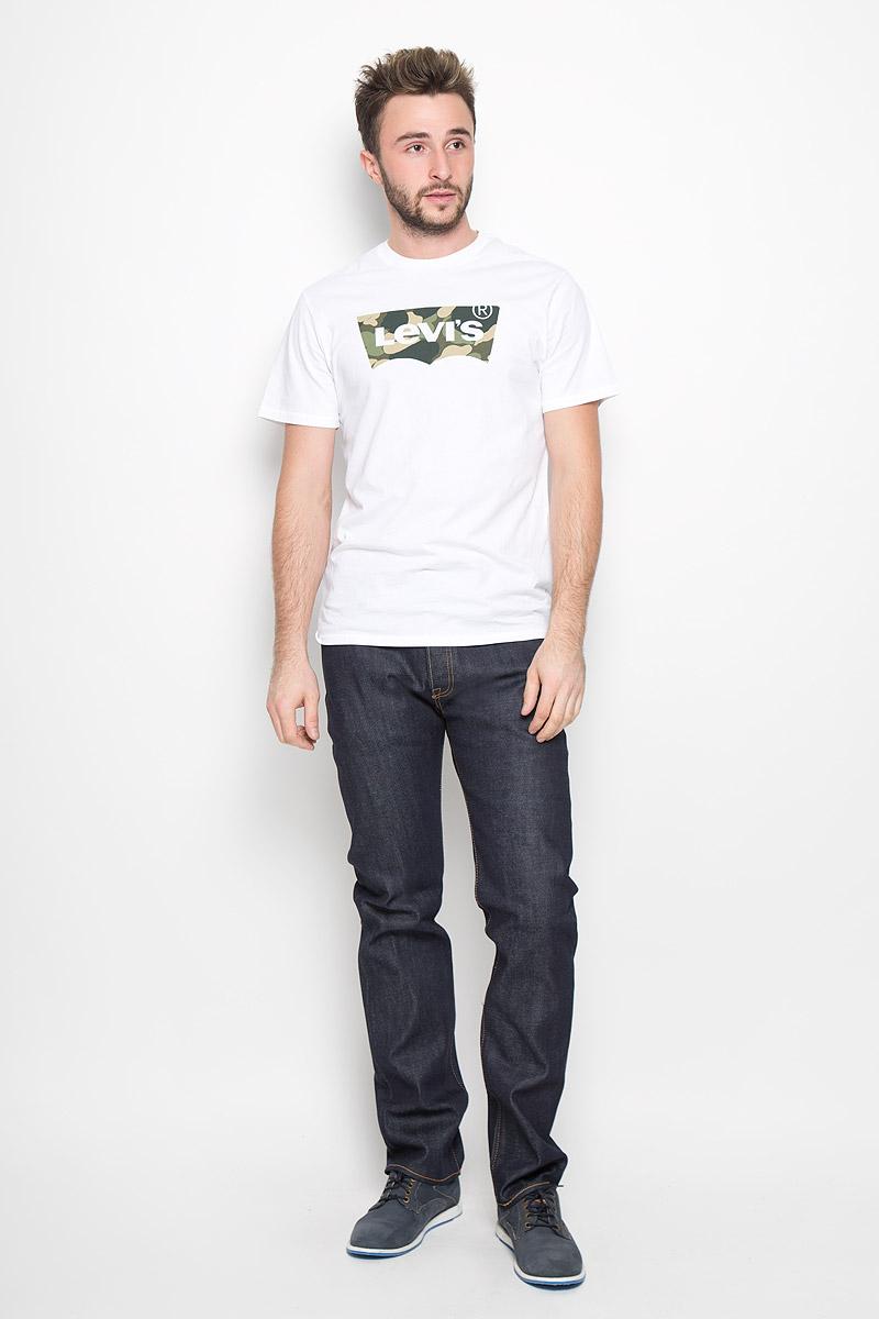 Джинсы мужские Levis® 501, цвет: темно-синий. 50123580. Размер 31-32 (46/48-32)50123580Мужские джинсы Levis® 501, выполненные из качественного денима, станут отличным дополнением к вашему гардеробу. Джинсы прямого кроя дополнены фирменной застежкой на пуговицах. На поясе предусмотрены шлевки для ремня. Модель имеет классический пятикарманный крой: спереди - два втачных кармана и один маленький накладной, а сзади - два накладных кармана. Украшены джинсы металлическими клепками и прострочкой.