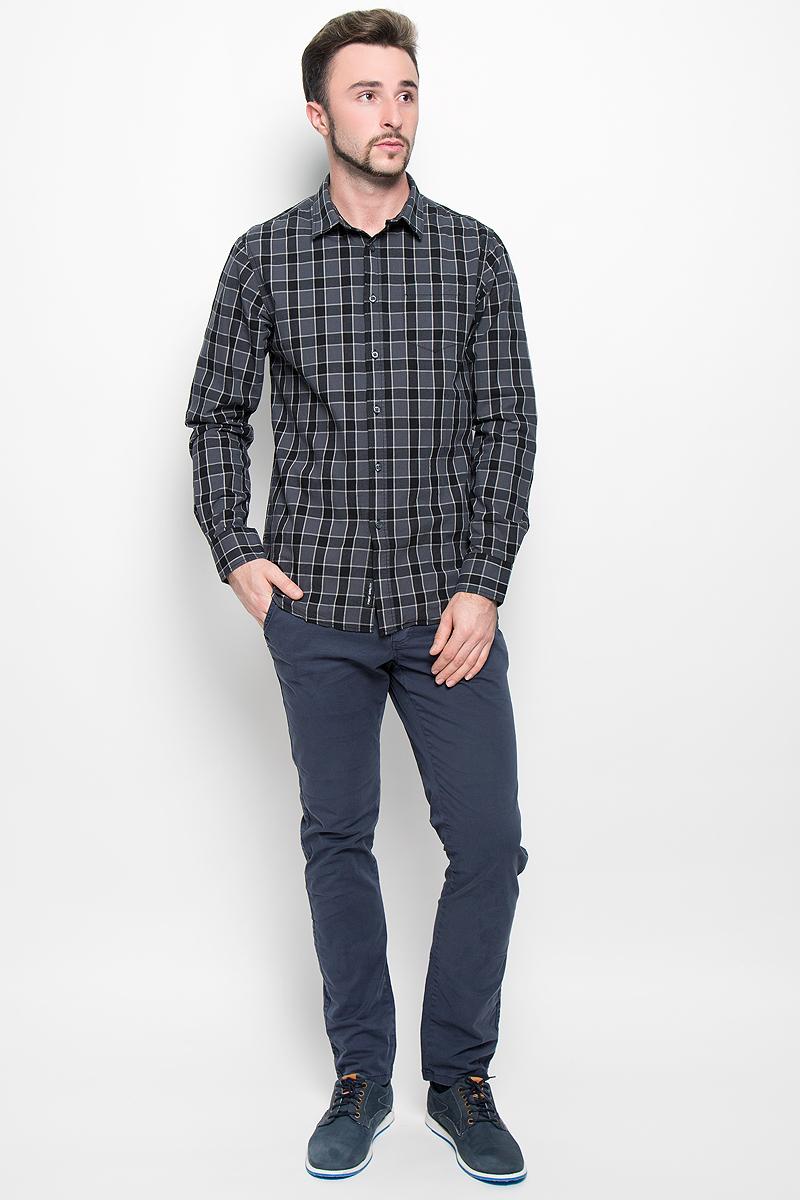 Рубашка мужская Broadway, цвет: темно-серый. 20100277. Размер XXL (54)20100277_879Стильная мужская рубашка Broadway, изготовленная из натурального хлопка, необычайно мягкая и приятная на ощупь. Модная рубашка с отложным воротником, длинными рукавами и полукруглым низом застегивается на пластиковые пуговицы. Модель оформлена принтом в крупную клетку и на груди слева дополнена накладным кармашком. Рукава рубашки дополнены манжетами на пуговицах.