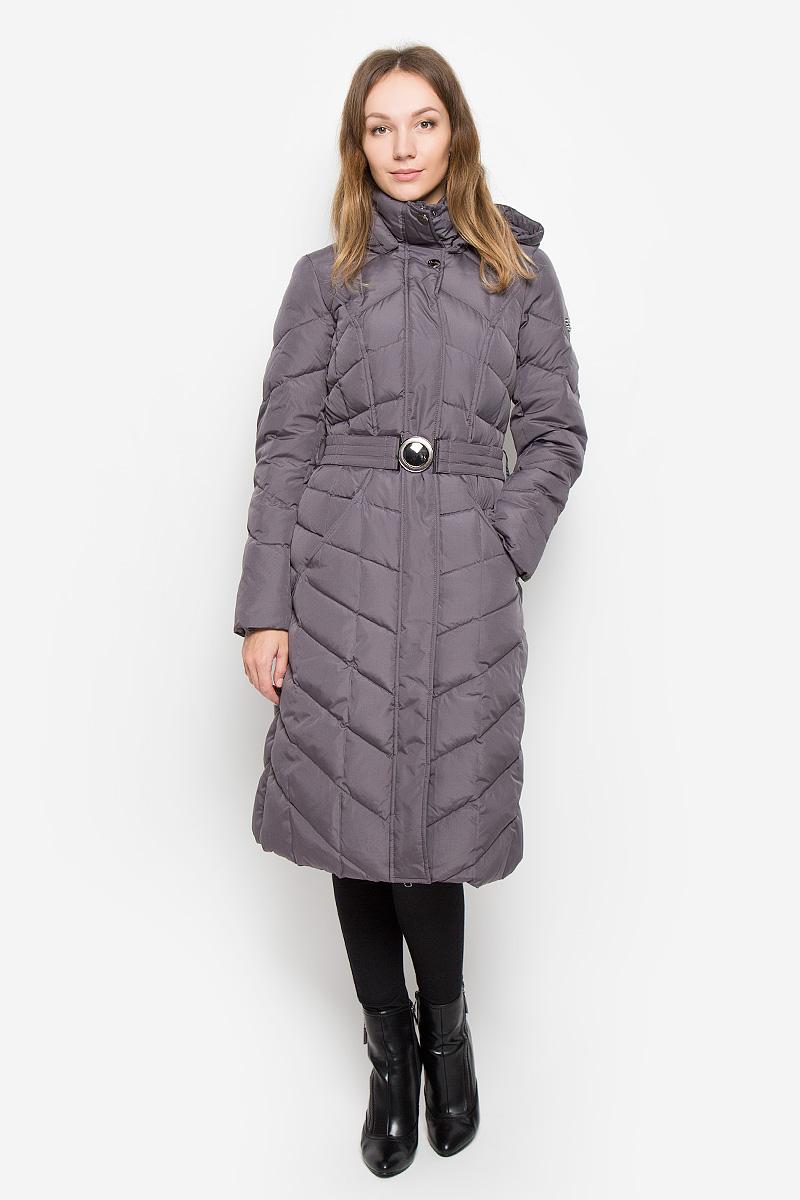 Пальто женское Finn Flare, цвет: темно-серый. W16-11023_204. Размер L (48)W16-11023_204Женское пальто Finn Flare выполнено из полиэстера с утеплителем из пуха и пера. Модель с воротником-стойкой и съемным капюшоном застегивается на пластиковую молнию с ветрозащитными планками. Внешняя планка имеет застежки-кнопки. Капюшон дополнен по краю эластичным шнурком со стопперами. Он пристегивается к пальто с помощью кнопок. Изделие имеет приталенный силуэт, дополнительно подчеркнутый эластичным поясом с металлической застежкой. Спереди расположены два втачных кармана. Пальто украшено фирменной металлической пластиной.