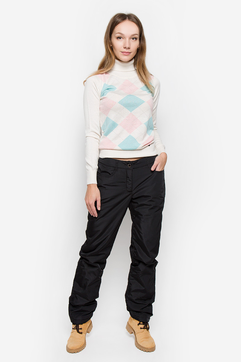Брюки утепленные женские Finn Flare, цвет: черный. W16-12012_200. Размер M (46)W16-12012_200Утепленные женские брюки Finn Flare изготовлены из высококачественного полиэстера. В качестве утеплителя используется полиэстер.Модель прямого кроя застегивается на пуговицы в поясе и ширинку на застежке-молнии. Спереди расположены два втачных кармана. На поясе имеются шлевки для ремня. Нижняя часть штанин оснащена застежками-кнопками.