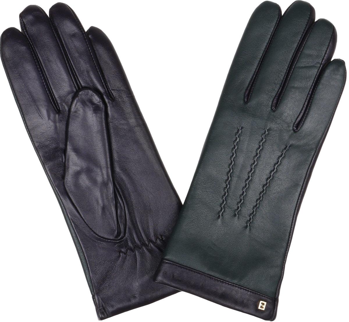 Перчатки женские Fabretti, цвет: зеленый, черный. S1.6-15. Размер 6,5S1.6-15 greenЖенские перчатки Fabretti Touch Screen не только защитят ваши руки от холода, но и станут незаменимым аксессуаром. Модель изготовлена из натуральной кожи на подкладке из шерсти с добавлением кашемира. Современные технологии обработки кожи позволяют работать с любыми сенсорными дисплеями, не снимая перчатки, что особенно важно в климатических условиях России. Конкурентным преимуществом данной технологии, является отсутствие текстильных вставок на пальцах, которые портят внешний вид перчаток и нарушают целостность кожи. Лицевая сторона изделия украшена фигурной прострочкой. Модель дополнена небольшим декоративным элементом с логотипом бренда. Запястье оснащено небольшой резинкой, фиксирующей модель на руке. Перчатки Fabrettiстанут завершающим и подчеркивающим элементом вашего стиля.