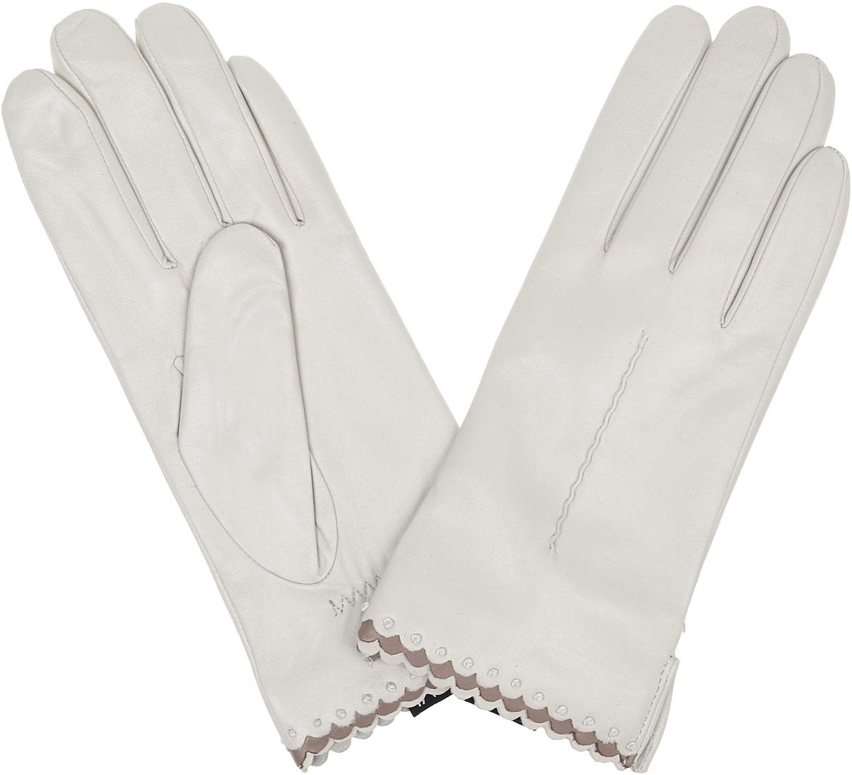 Перчатки женские Fabretti, цвет: молочный. 2.80-5. Размер 6,52.80-5 beigeСтильные женские перчатки Fabretti не только защитят ваши руки, но и станут великолепным украшением. Перчатки выполнены из натуральной кожи ягненка, а их подкладка - из высококачественной шерсти с добавлением кашемира.Модель оформлена оригинальной каймой и строчками-стежками на запястье.Стильный аксессуар для повседневного образа.