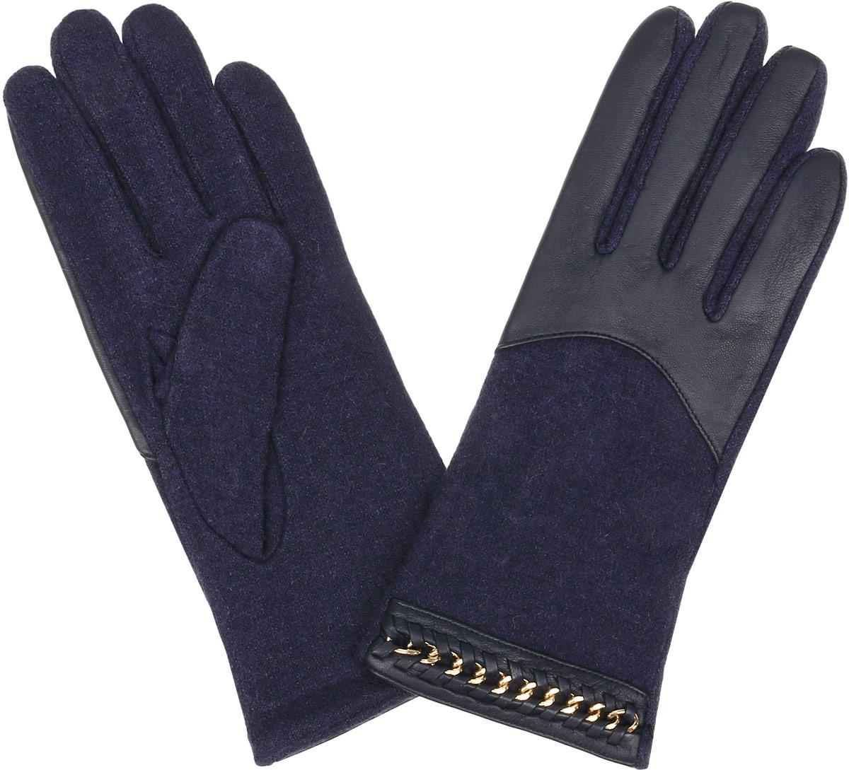 Перчатки женские Fabretti, цвет: фиолетовый, темно-синий. 41093. Размер S (6/6,5)3.7-12 navyЖенские перчатки Fabretti Touch Screen не только защитят ваши руки от холода, но и станут незаменимым аксессуаром. Модель изготовлена из натуральной кожи и высококачественной шерсти. Современные технологии обработки кожи позволяют работать с любыми сенсорными дисплеями, не снимая перчатки. Модель оформлена оригинальным дизайном. Перчатки Fabretti станут завершающим и подчеркивающим элементом вашего стиля.