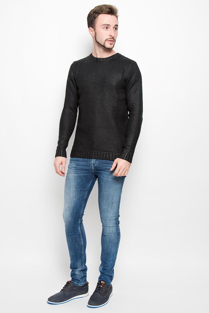 Джемпер мужской Calvin Klein Jeans, цвет: черный. J30J301014. Размер L (50-52)№001Мужской вязанный джемпер Calvin Klein Jeans, выполненный из высококачественной пряжи хлопка, станет стильным дополнением к вашему образу. Джемпер с круглым вырезом горловины и длинными рукавами. Вырез горловины, манжеты и низ модели связаны резинкой. Оформлена модель в лаконичном однотонном стиле.