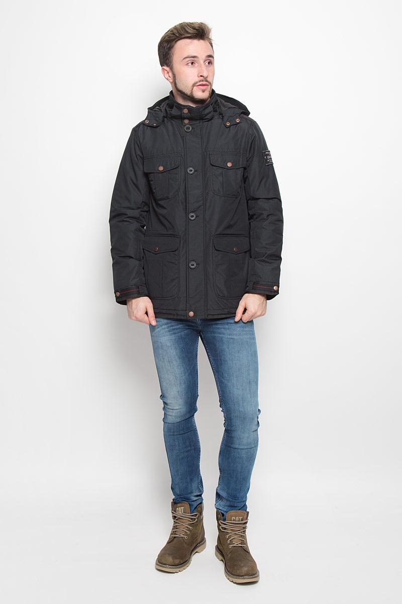 Куртка мужская Baon, цвет: черный. B536511. Размер S (46)B536511_BLACKМодная мужская куртка Baon изготовлена из высококачественного полиэстера. В качестве наполнителя используется полиэстер.Куртка с воротником-стойкой и съемным капюшоном с застежками-кнопками застегивается на застежку-молнию и дополнительно на ветрозащитный клапан, пуговицы и кнопки. Спереди имеются четыре накладных кармана с клапанами на кнопках, с внутренней стороны - прорезной карман с застежкой-молнией. Манжеты рукавов оснащены текстильными ремешками на кнопках. Объем капюшона и талии регулируется за счет эластичных шнурков со стопперами.