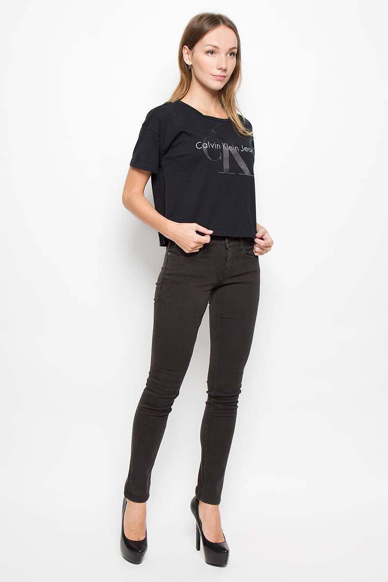 Футболка женская Calvin Klein Jeans, цвет: черный. J20J200793. Размер XS (40/42) calvin klein euphoria deep парфюмерная вода женская 100 мл