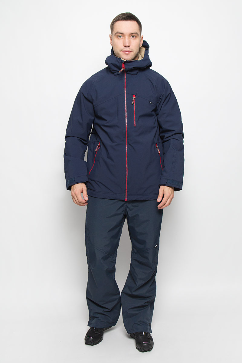 Куртка для сноуборда мужская ONeill Pm Exile, цвет: темно-синий. 650032-5056. Размер S (46)650032-5056Мужская куртка для сноуборда ONeill Pm Sector выполнена из полиэстера с подкладкой из синтепона.Модель с длинными рукавами и несъемным капюшоном застегивается на застежку-молнию спереди. Изделие дополнено тремя втачными карманами на застежках-молниях, внутренним втачным карманом на кнопке и накладным карманом-сеткой, также имеется небольшой кармашек на рукаве. Рукава дополнены эластичными резинками на манжетах, а также хлястиками с липучками, которые позволяют регулировать обхват манжет. По бокам куртки, от линии талии до середины рукавов, расположены вентиляционные отверстия с сетчатыми вставками, закрывающиеся на застежки-молнии. Куртка оснащена внутренней противоснежной вставкой на кнопках. Низ куртки дополнен шнурком-кулиской. Объем капюшона также регулируется при помощи шнурка-кулиски. Водонепроницаемость: 10 000 мм. Паронепроницаемость: 10 000 гр/м/24ч.