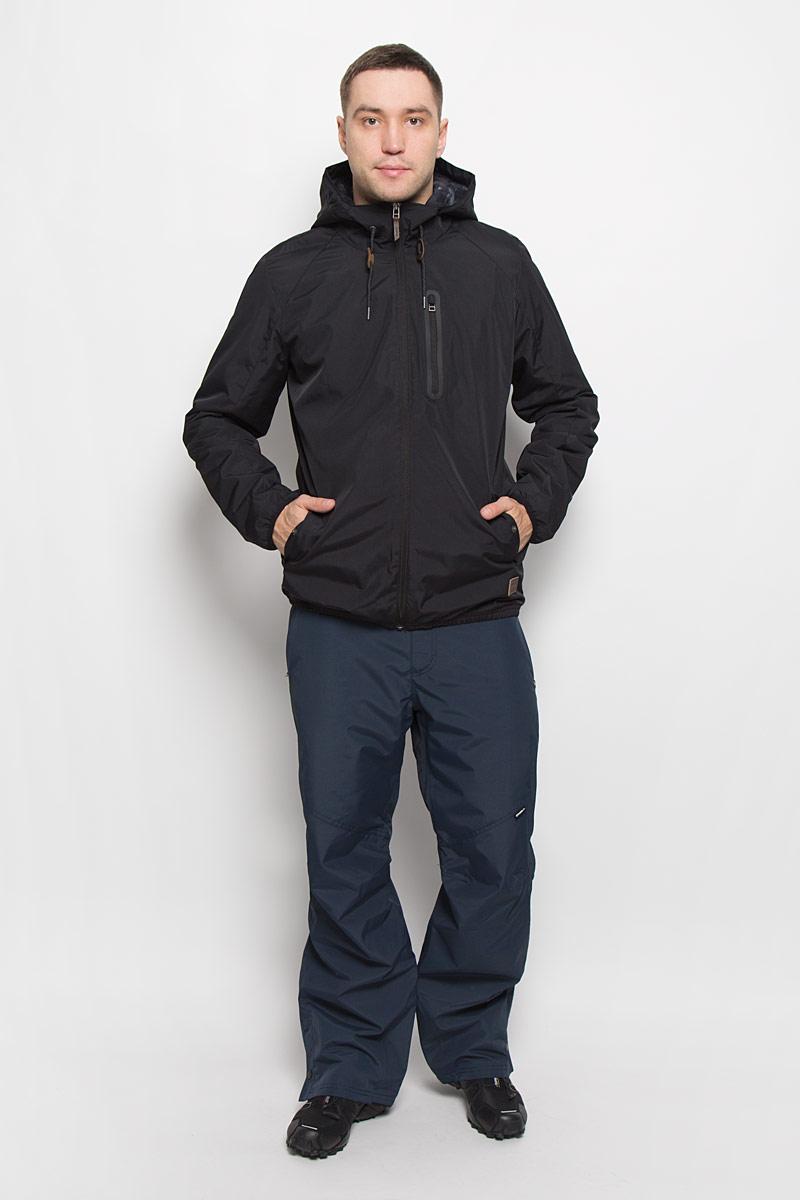 Куртка мужская ONeill Lm Illumine, цвет: черный. 651010-9010. Размер L (50)651010-9010Мужская куртка ONeill Lm Illumine с длинными рукавами и несъемным капюшоном выполнена из прочного полиэстера. Наполнитель - синтепон. Подкладка выполнена из полиамида. Куртка застегивается на застежку-молнию спереди. Рукава дополнены эластичными резинками. Изделие оснащено двумя втачными карманами на кнопках и втачным карманом на застежке-молнии спереди, а также внутренним втачным карманом на кнопке. Низ изделия дополнен эластичной резинкой, объем капюшона регулируется при помощи шнурка-кулиски.