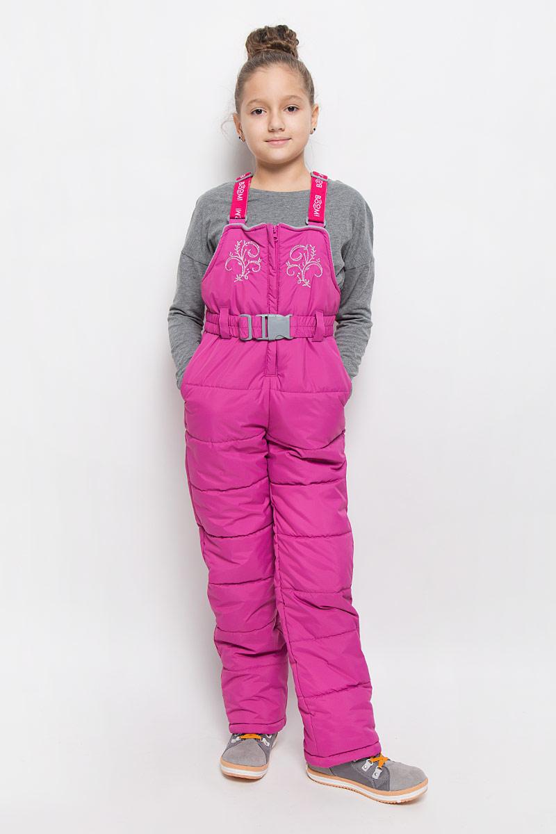 Полукомбинезон для девочки Boom!, цвет: розовый. 64356_BOG_вар.3. Размер 80, 1,5-2 года64356_BOG_вар.3Утепленный полукомбинезон для девочки Boom! идеально подойдет для ребенка в холодное время года. Полукомбинезон изготовлен из водоотталкивающей ткани, в качестве утеплителя полиэстер. Подкладка выполнена из полиэстера с добавлением вискозы.Полукомбинезон с небольшой грудкой застегивается на пластиковую застежку-молнию с металлическим бегунком и имеет эластичные наплечные лямки, регулируемые по длине. Лямки крепятся при помощи липучек. Грудка полукомбинезона оформлена интересной вышивкой. Спереди изделие дополнено двумя прорезными карманами с клапаном на кнопке. На талии расположены шлевки для ремня. В комплект входит эластичный поясок. Снизу брючины дополнены внутренними манжетами с прорезиненными полосками, препятствующими попадаю снега в обувь и не дающими брючинам ползти вверх, а также предусмотрены отвороты, чтобы модель могла расти вместе с ребенком.Комфортный, удобный и практичный этот полукомбинезон идеально подойдет для прогулок и игр на свежем воздухе в прохладную погоду!