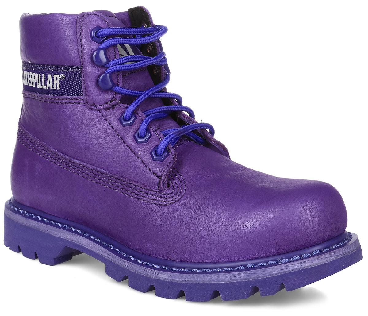 Ботинки женские Caterpillar Colorado, цвет: фиолетовый. P308860. Размер 6 (36,5)P308860Стильные женские ботинки Colorado от Caterpillar отличный вариант на каждый день. Модель выполнена из высококачественно натуральной кожи. Подкладка изготовлена из нейлона. Утеплитель Thinsulate сохранит ваши ноги в тепле. Шнуровка надежно фиксирует модель на ноге. Стельки из EVA материала обеспечивают комфортное положение стопы и амортизацию. Резиновая подошва с агрессивным протектором обеспечивает хорошее сцепление с поверхностью. Прошивка подошвы позволит продлить срок службы модели.