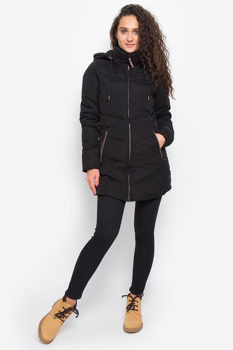 Куртка женская ONeill Lw Control Jacket, цвет: черный. 656002-9010. Размер XS (42)656002-9010Стильная женская куртка ONeill Lw Control Jacket с наполнителем из полиэстера согреет вас в прохладную погоду и позволит выделиться из толпы. Модель прямого кроя с длинными рукавами, воротником-стойкой и капюшоном застегивается на застежку-молнию и оснащена внутренним ветрозащитным клапаном. Капюшон пристегивается к куртке при помощи металлических кнопок и регулируется шнурком. Изделие дополнено спереди двумя прорезными карманами на застежках-молниях. Манжеты рукавов дополнены эластичными мягкими резинками. Такая стильная куртка станет прекрасным дополнением к вашему гардеробу, она подарит вам комфорт и тепло.