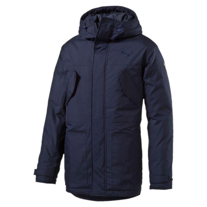 Куртка мужская Puma Style Hd Mid Down Jacket, цвет: синий. 83866006. Размер XXL (54)838660_06Куртка Puma выполнена из гладкого текстиля. Модель прямого кроя с натуральным утеплителем из пуха и пера. Модель декорирована логотипом PUMA, нанесенным методом глянцевой печати, а также силиконовой эмблемой PUMA. Среди других отличительных особенностей модели - капюшон изменяемой формы с затягивающимися шнурами, снабженными стопорами, ветрозащитный клапан на липучке и наращенный спереди ворот, надежно закрывающий шею и подбородок, скрытый карман для электронных устройств на молнии с прорезиненной петлицей и эластичной петлей для регулировки длины провода наушников под ветрозащитным клапаном, нагрудные карманы с клапаном, застегивающиеся на кнопку, боковые карманы на молнии, манжеты на застежке-липучке, петля для вешалки, висячий ярлык с указанием состава наполнителя (упругость пуха 600, соотношение пух/перо 90/10, что является показателем наполнителя экстра-класса).