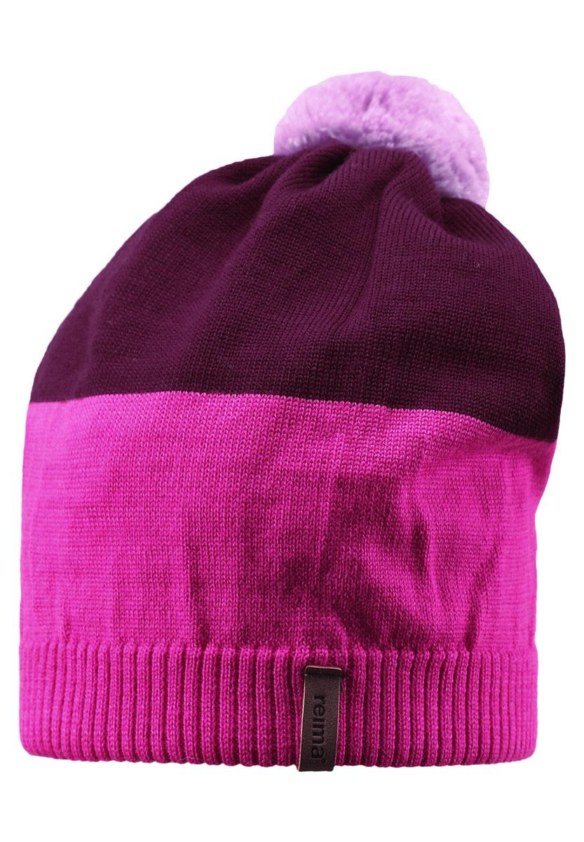 Шапка детская Reima Kompa, цвет: розовый, бордовый. 528497-4620. Размер 52528497-4620Детская шапка связана из теплой полушерсти. Забавный контрастный помпон оживит любой зимний образ!