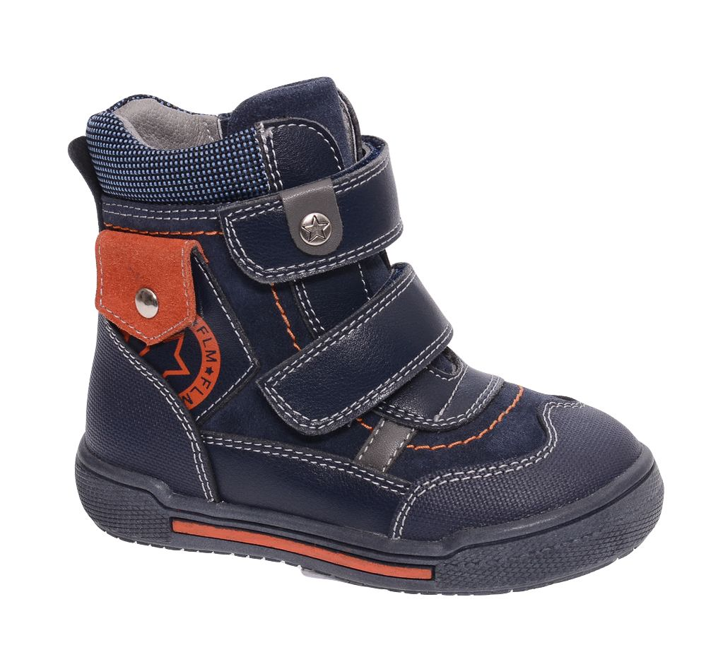 Ботинки для мальчика Flamingo, цвет: темно-синий, оранжевый. W6XY262. Размер 24W6XY262Модные ботинки для мальчика от Flamingo, выполненные из натуральной и искусственной кожи, оформлены контрастной прострочкой. Подкладка и стелька из натуральной шерсти не дадут ногам замерзнуть. Ремешки с застежками-липучками надежно зафиксируют модель на ноге. Боковая застежка-молния позволяет легко снимать и надевать модель. Подошва дополнена рифлением.