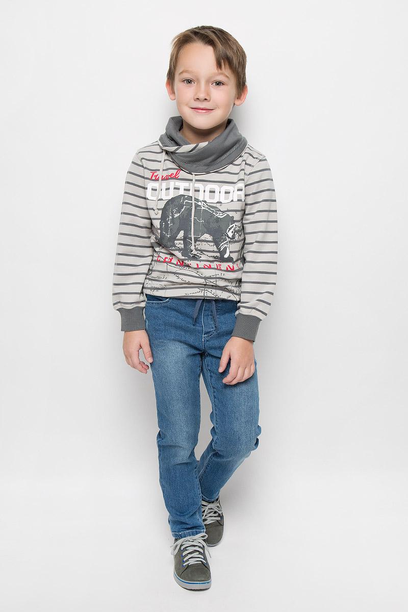 Джинсы для мальчика PlayToday, цвет: синий деним. 361114. Размер 116, 6 лет361114Стильные джинсы для мальчика PlayToday изготовлены из мягкого эластичного хлопка. Модель прямого кроя имеет пояс на резинке, который дополнительно утягивается шнурком. Спереди расположены два втачных кармана, сзади - два накладных. Джинсы оформлены потертостями.
